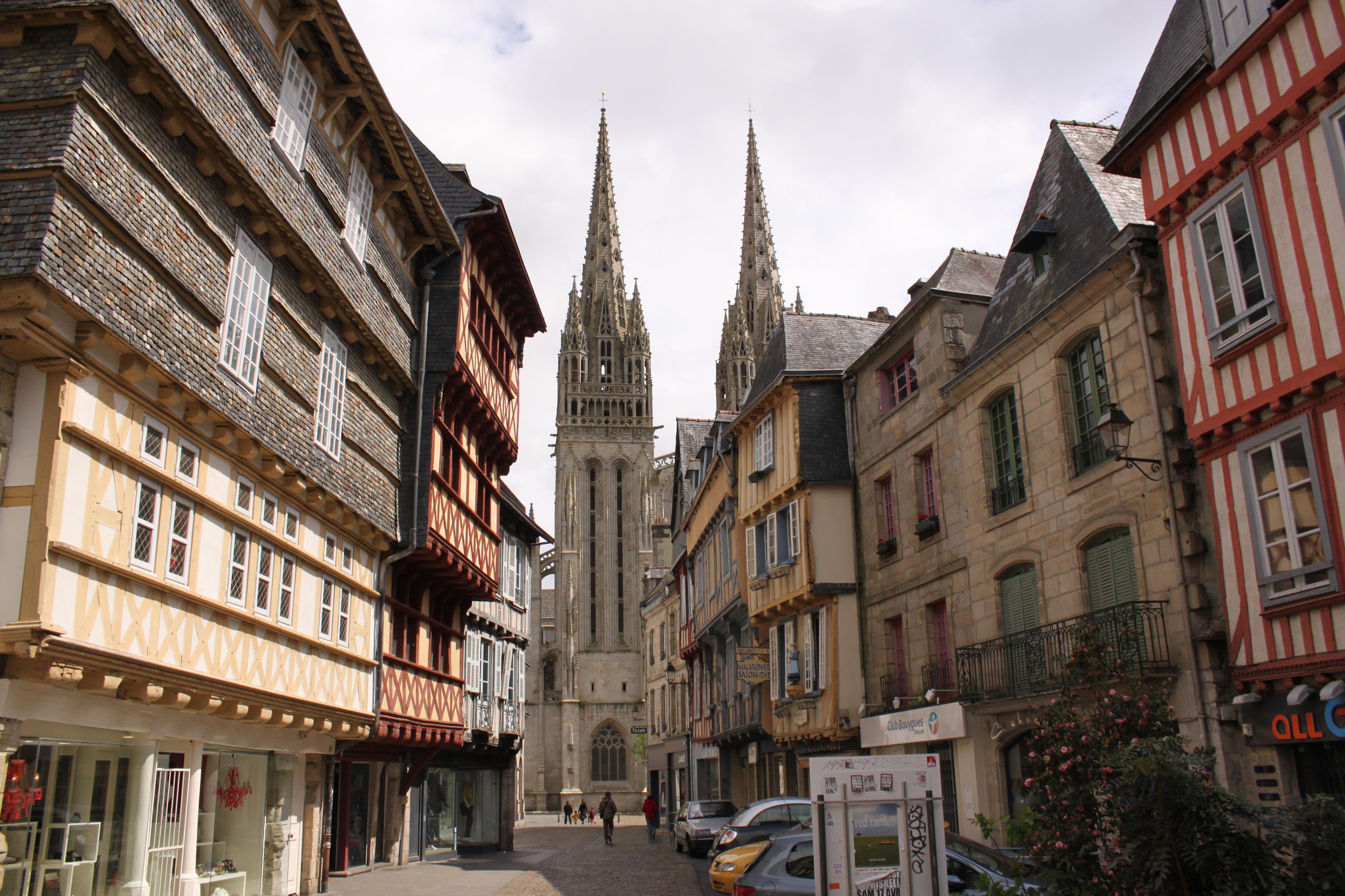 Quimper France  city photos gallery : Description Quimper Cathu00e9drale St. Corentin 2010