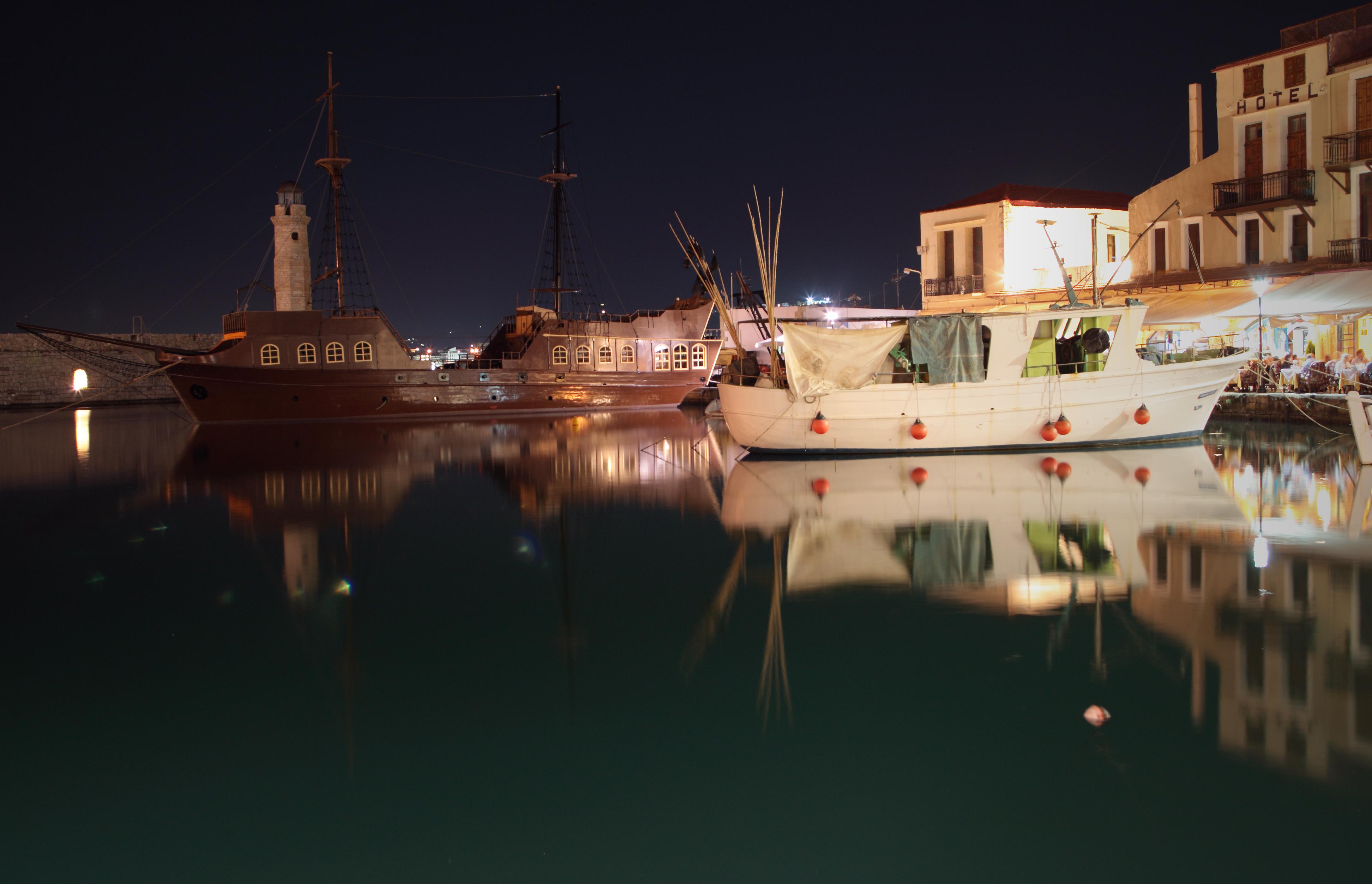 Rethymno-harbour(js).jpg