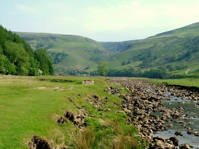 River Swale near Muker - geograph.org.uk - 613027
