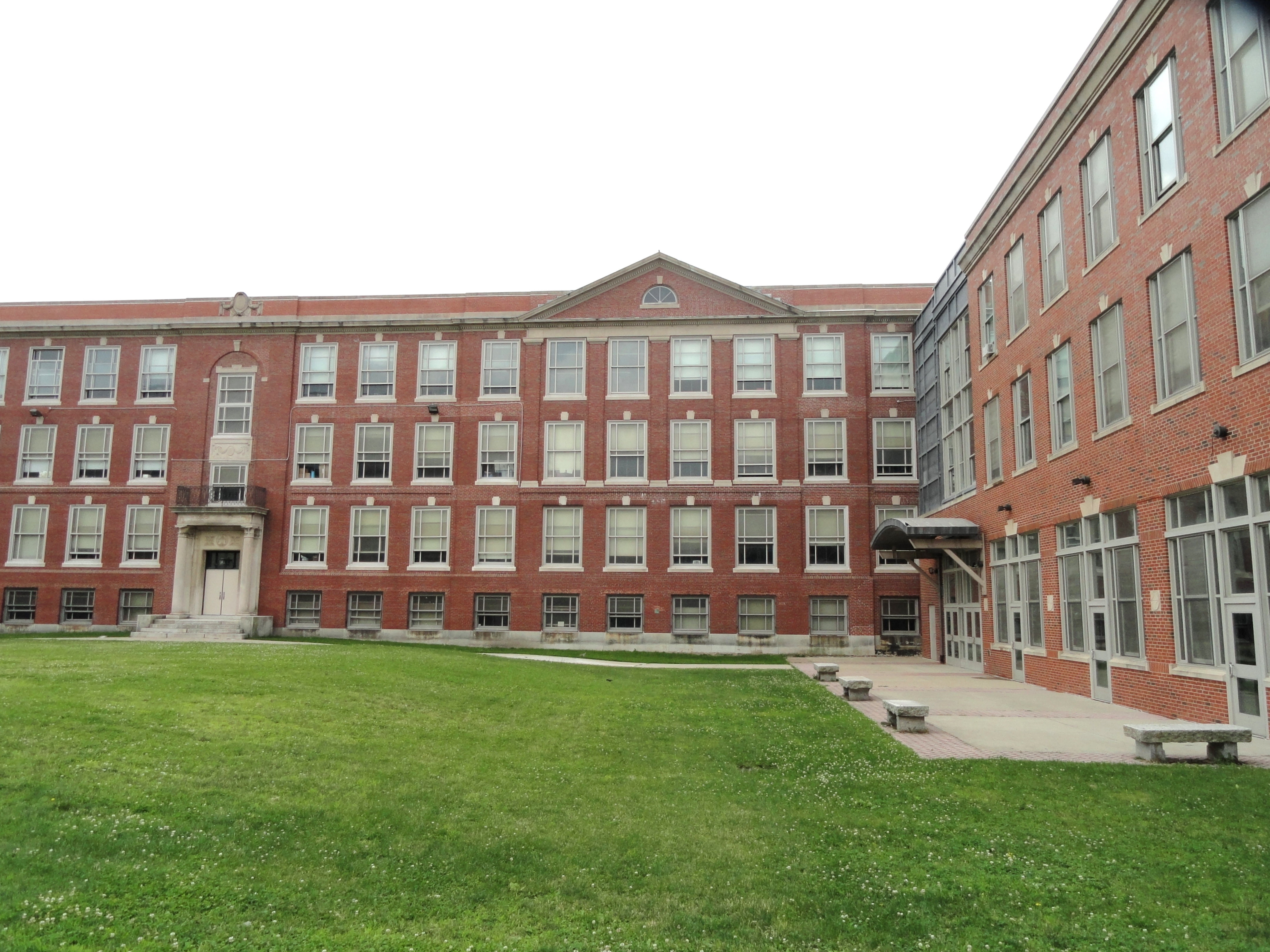 an analysis of boston latin public school Accountabilityandflexibilityin public schools:  our lottery analysis when the school is over-subscribed and  most famous of which is the boston latin school.