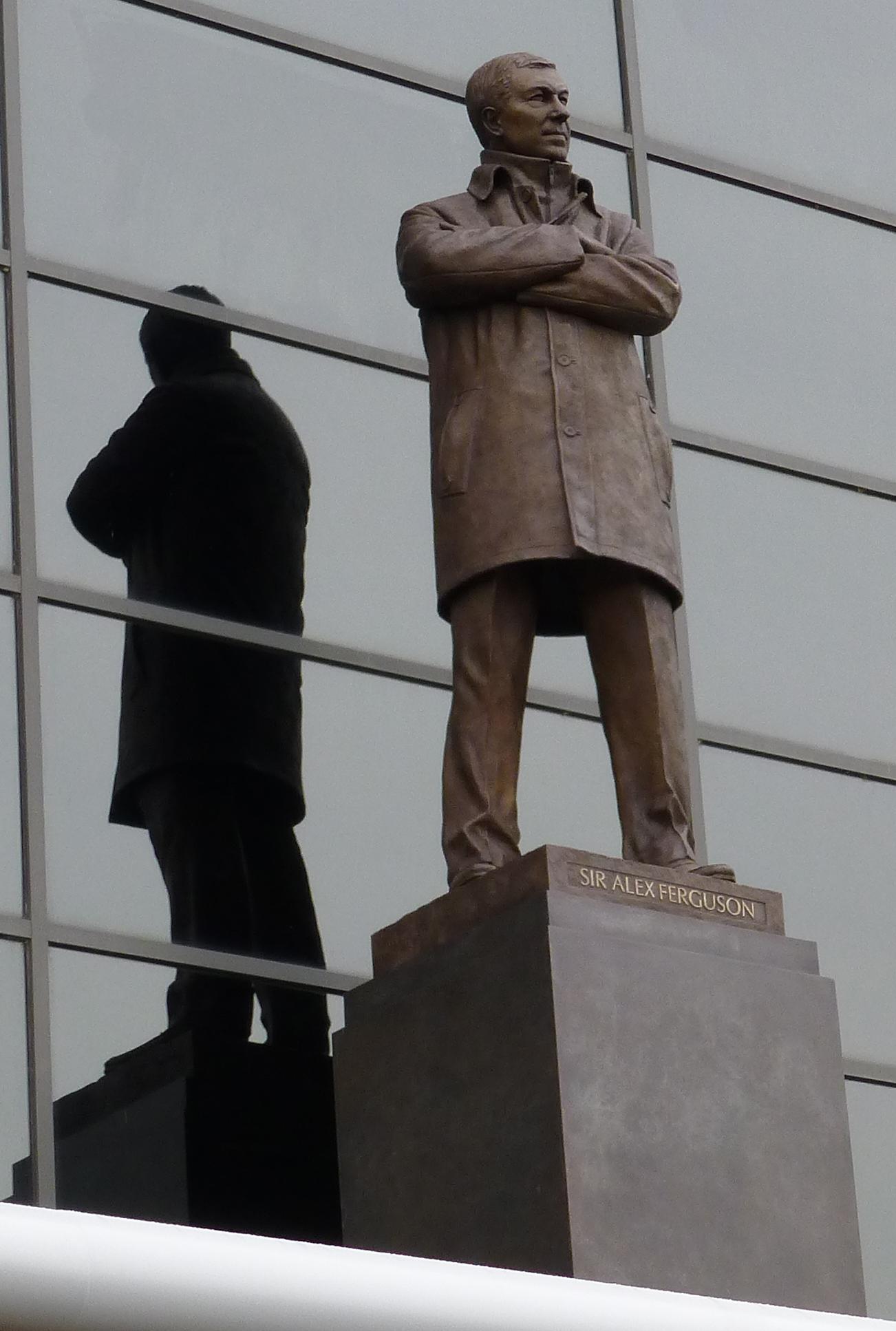 2a857eeb6426b File:Sir Alex Ferguson statue at Old Trafford.jpg - Wikimedia Commons