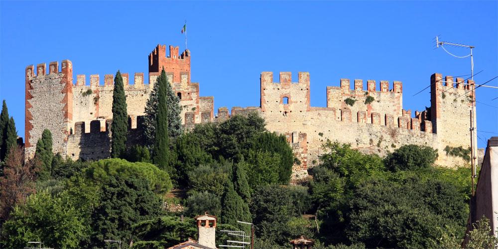Castello Scaligero (Soave) - Wikipedia