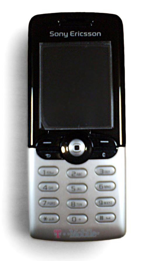 sony ericsson flip phone 2005. sebagian besar ponsel sony ericsson menggunakan layanan jaringan komunikasi suara gsm (2g) dan w-cdma/umts (3g) serta data edge flip phone 2005 n