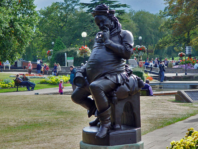 File:Statue of Falstaff - geograph.org.uk - 1058499.jpg