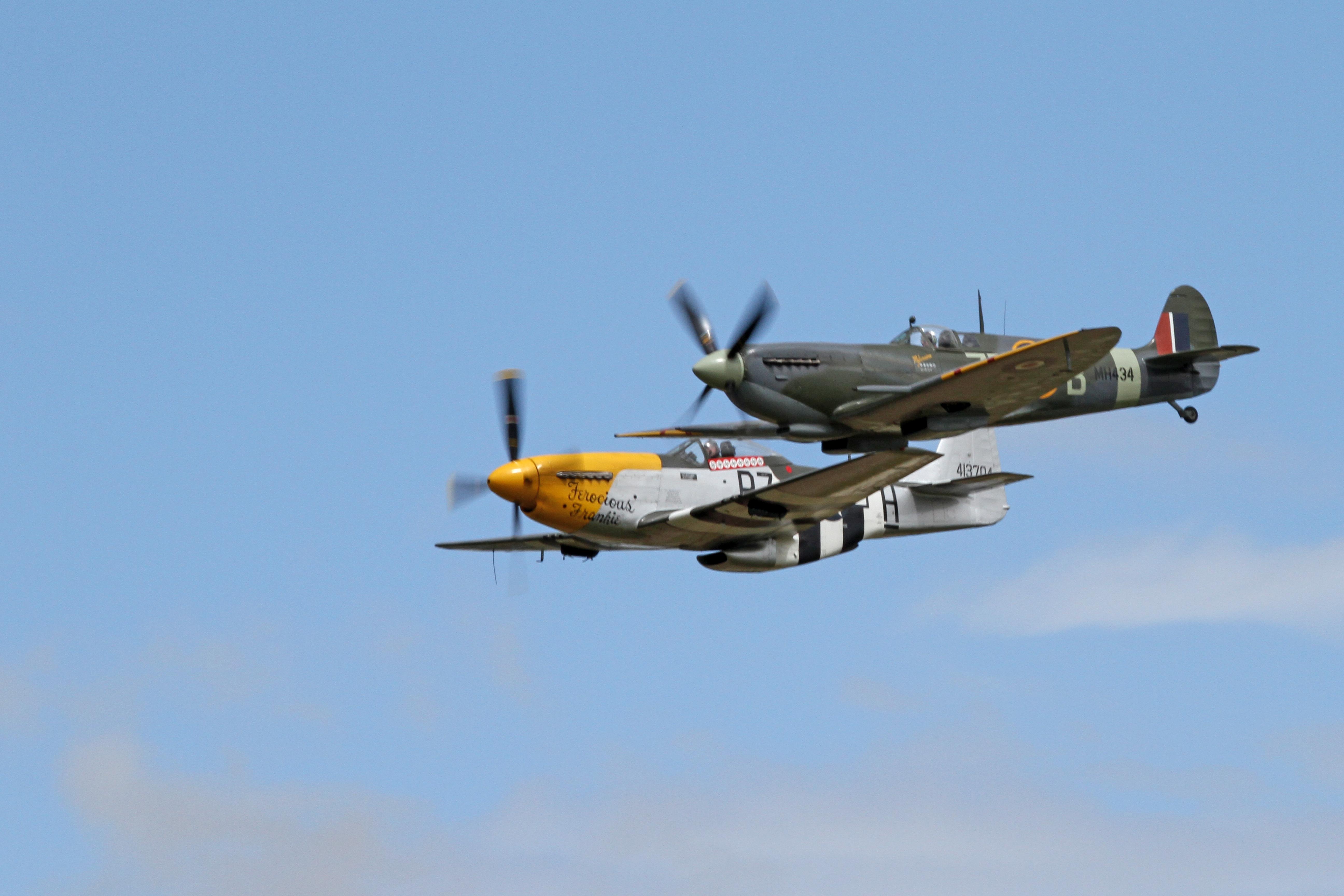 File Supermarine Spitfire Mkiia Amp North American P 51
