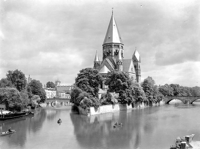 [Image: Temple_protestant_%C3%A0_Metz%2C_Georges...Arlaud.jpg]