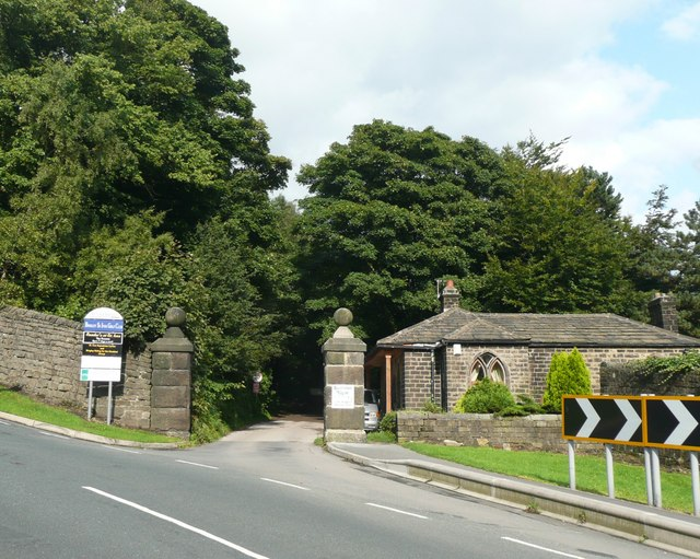 File The Western Entrance To St Ives Estate Keighley Road