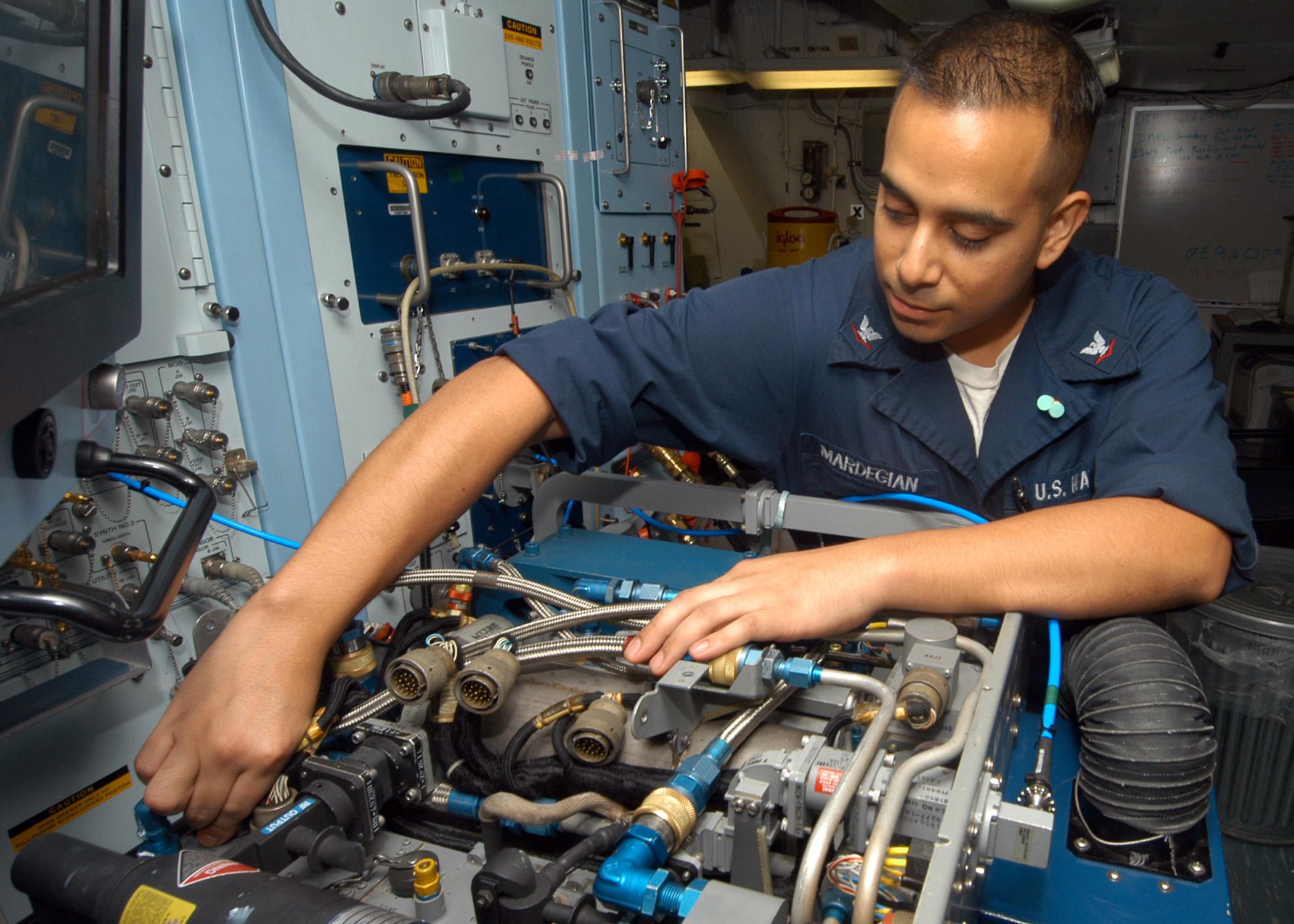 File:US Navy 041019-N-6651N-001 Aviation Electrician Technician ...