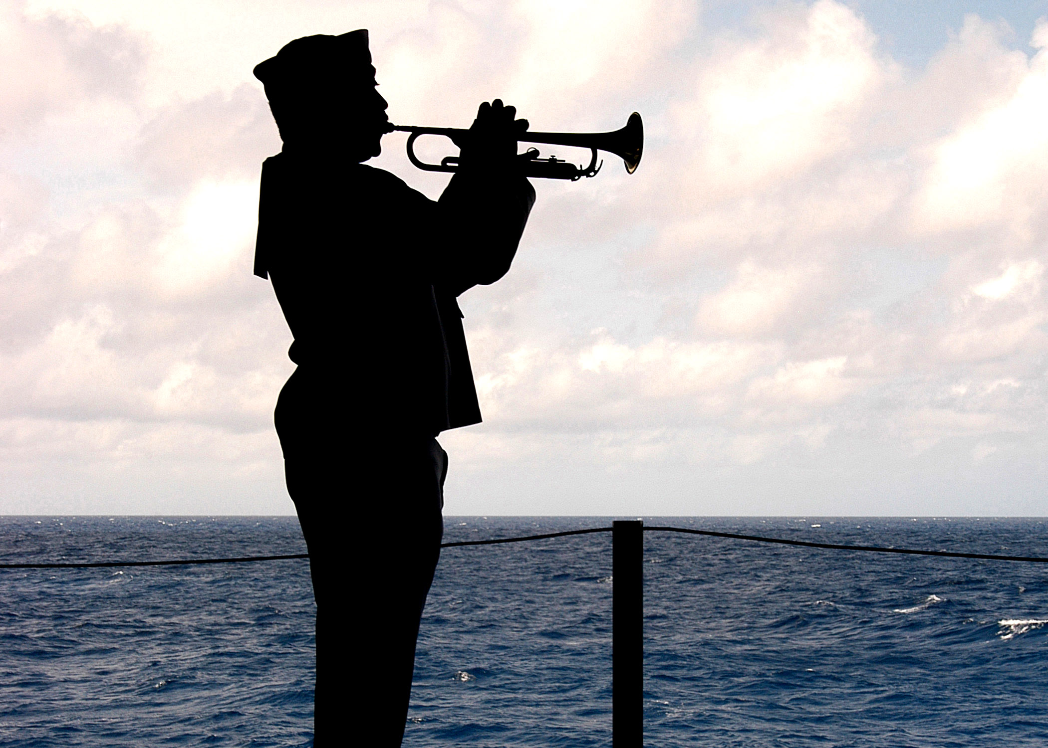 File:US Navy 060426-N-6433N-025 Fire Controlman 1st Class ...