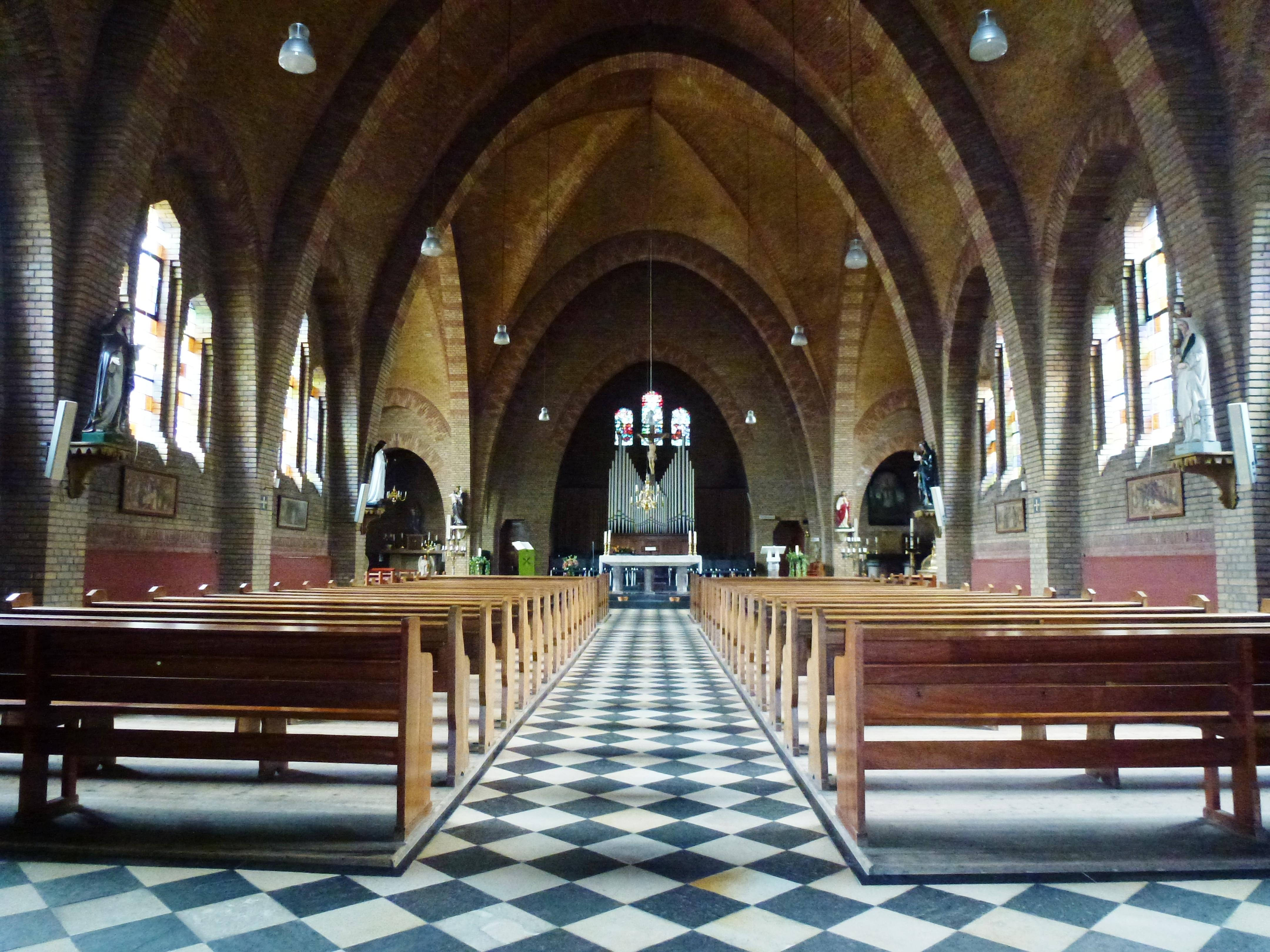 Bestand ubbergen leuth remigiuskerk interieur jpg wikipedia for Interieur wikipedia