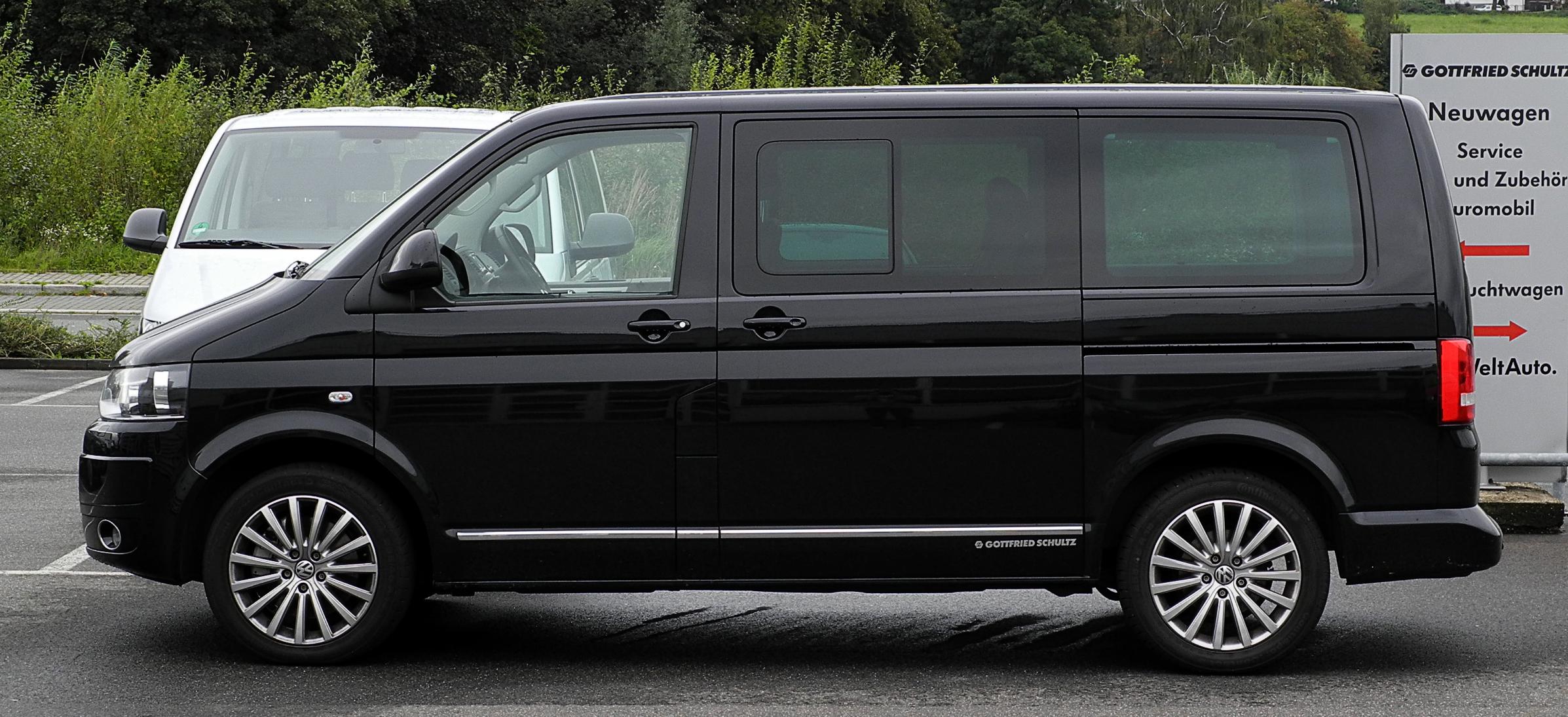 file vw multivan highline t5 facelift seitenansicht 11 september 2011. Black Bedroom Furniture Sets. Home Design Ideas