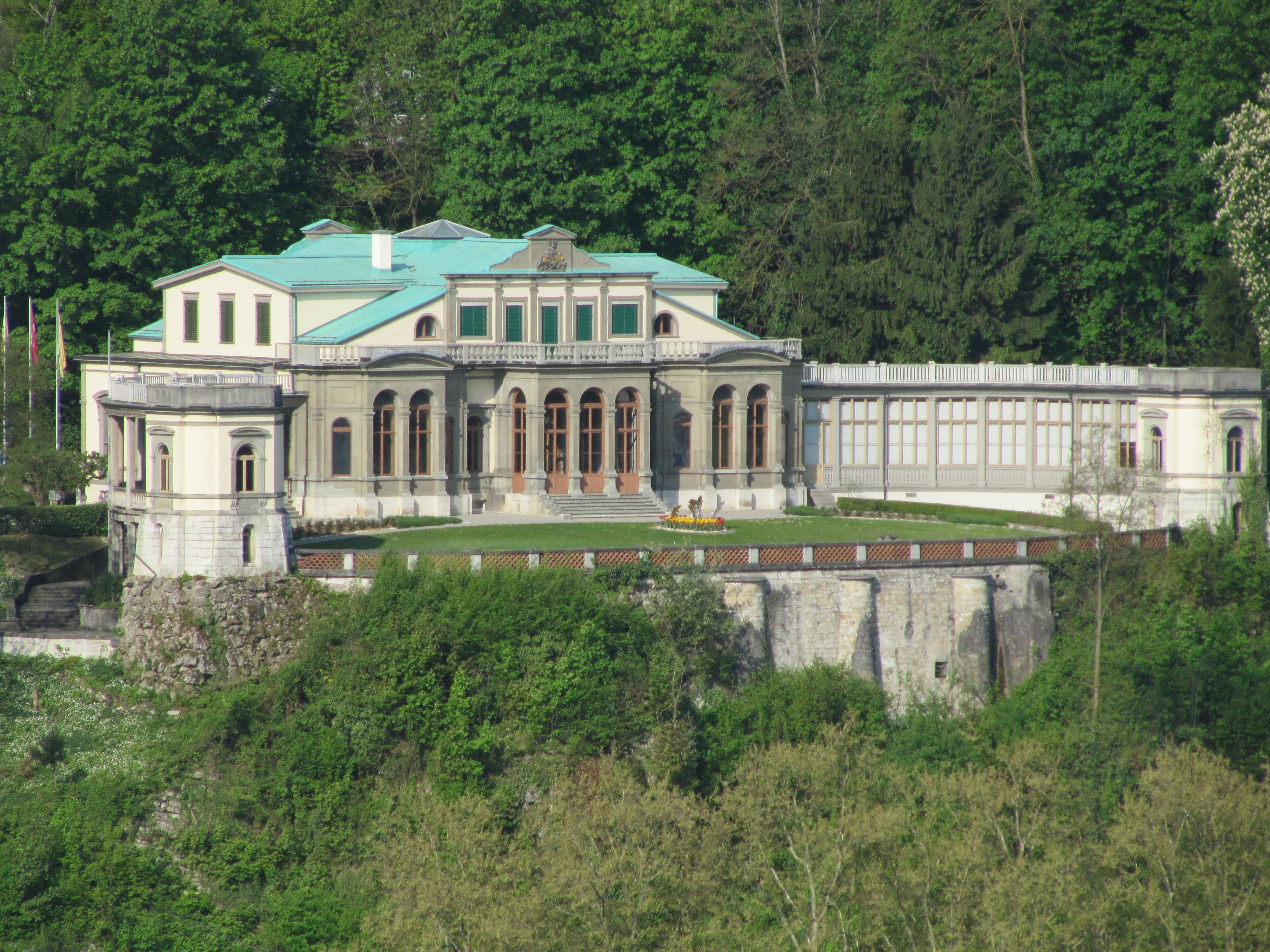 Villa_Charlottenfels.jpg