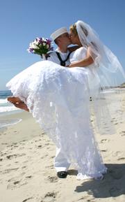 ślubn na plaży - para młoda