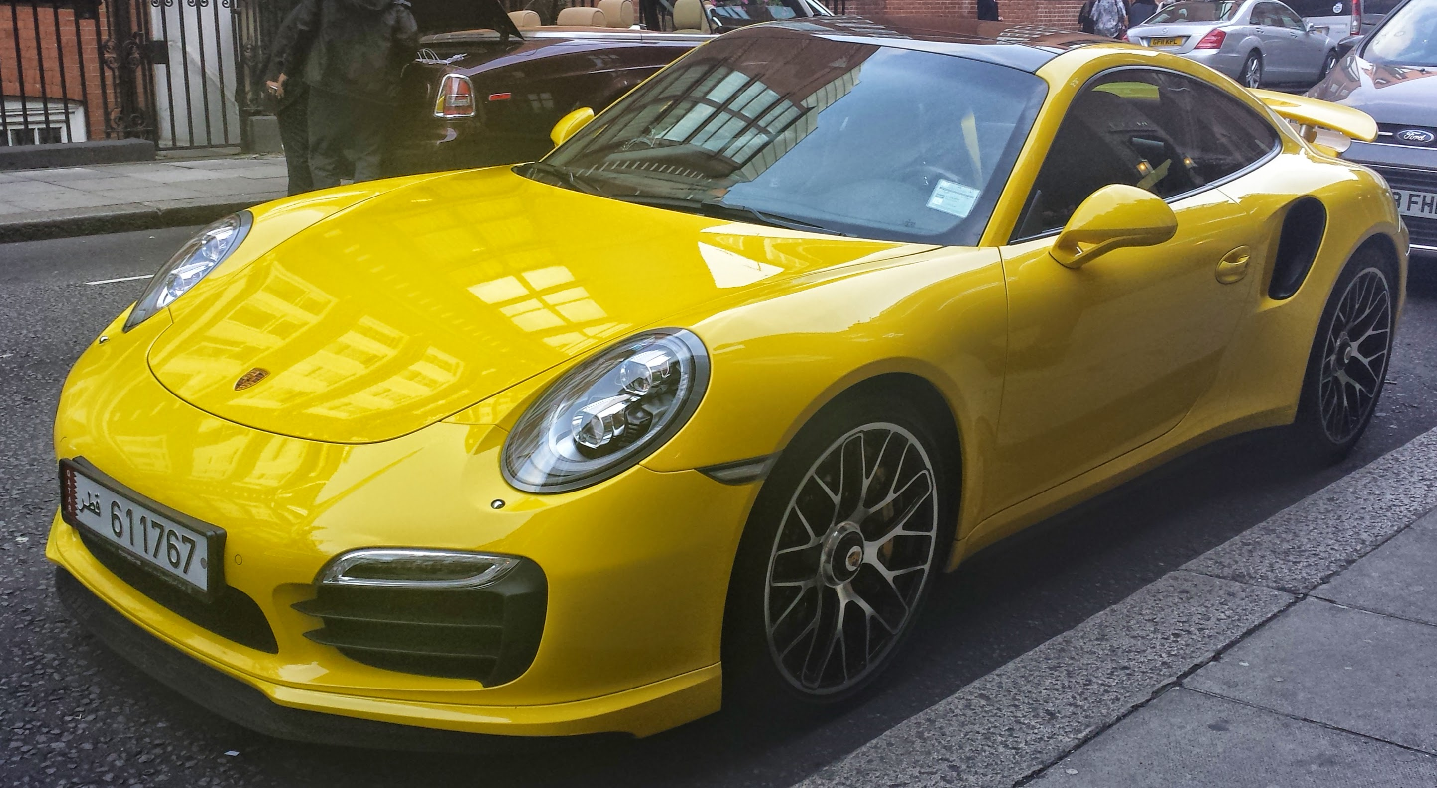 File:Yellow Porsche 911 Turbo S (991) fl1 London14.jpg - Wikimedia