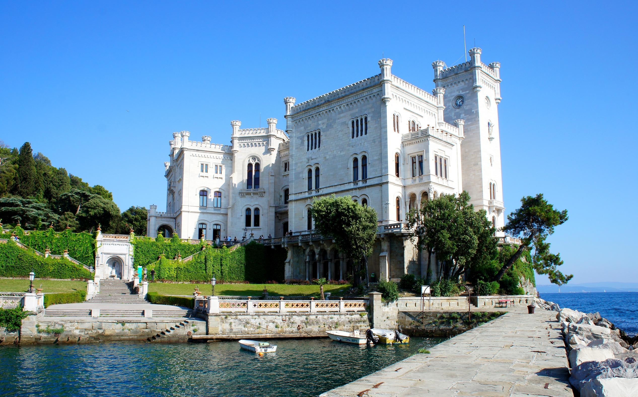 Izlet Zajednice Talijana u Trst (Italija). Posjeta lokalnim institucijama, obilazak uzeg centra, S Giusto i dvorac Miramare
