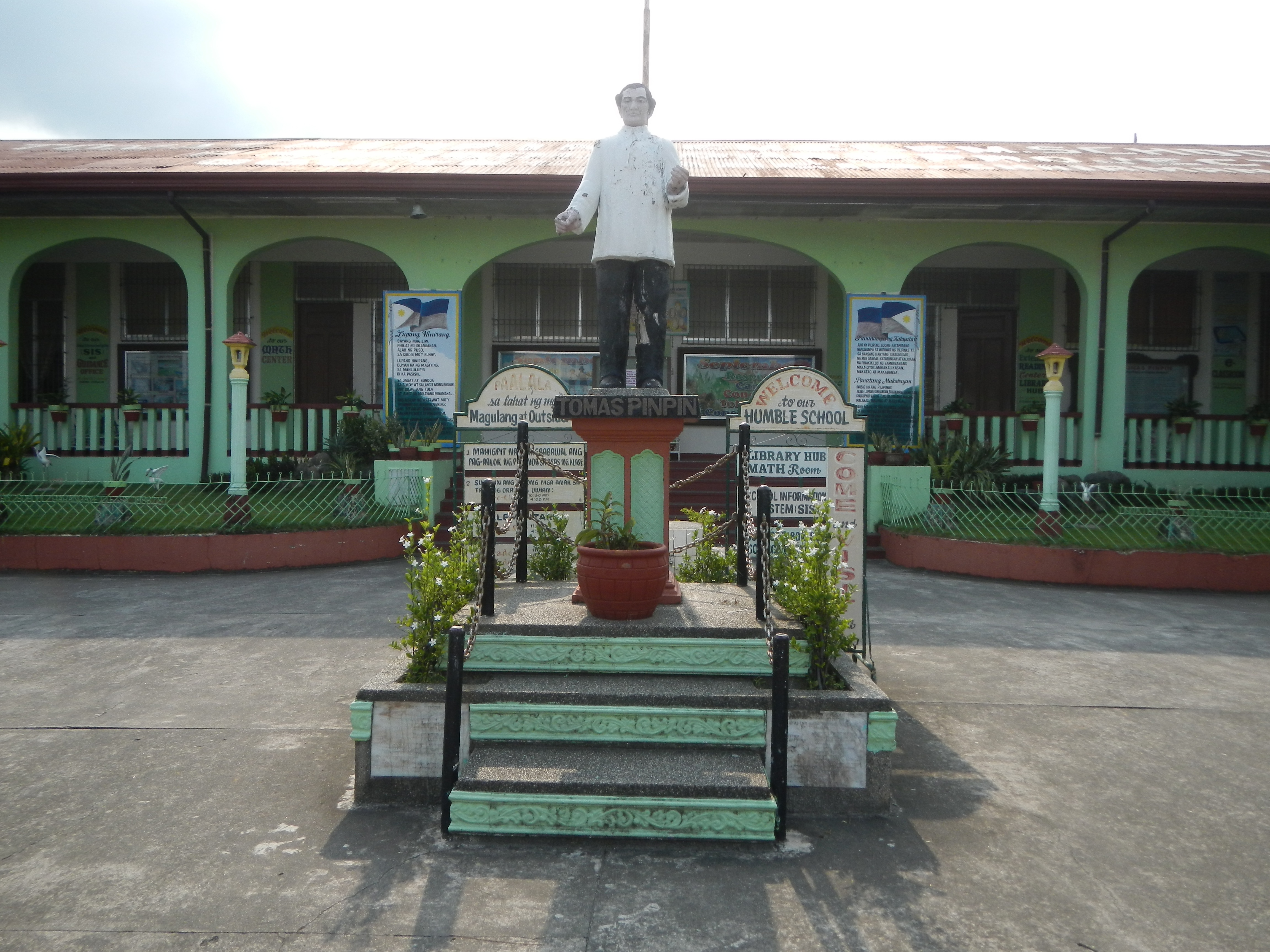 File:09747jfKaparangan Gabon Omboy School Roads Abucay