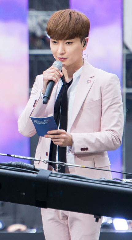 """35-letni, 178 cm wzrostu Park Jeong-Su na zdjęciu z 2018"""""""