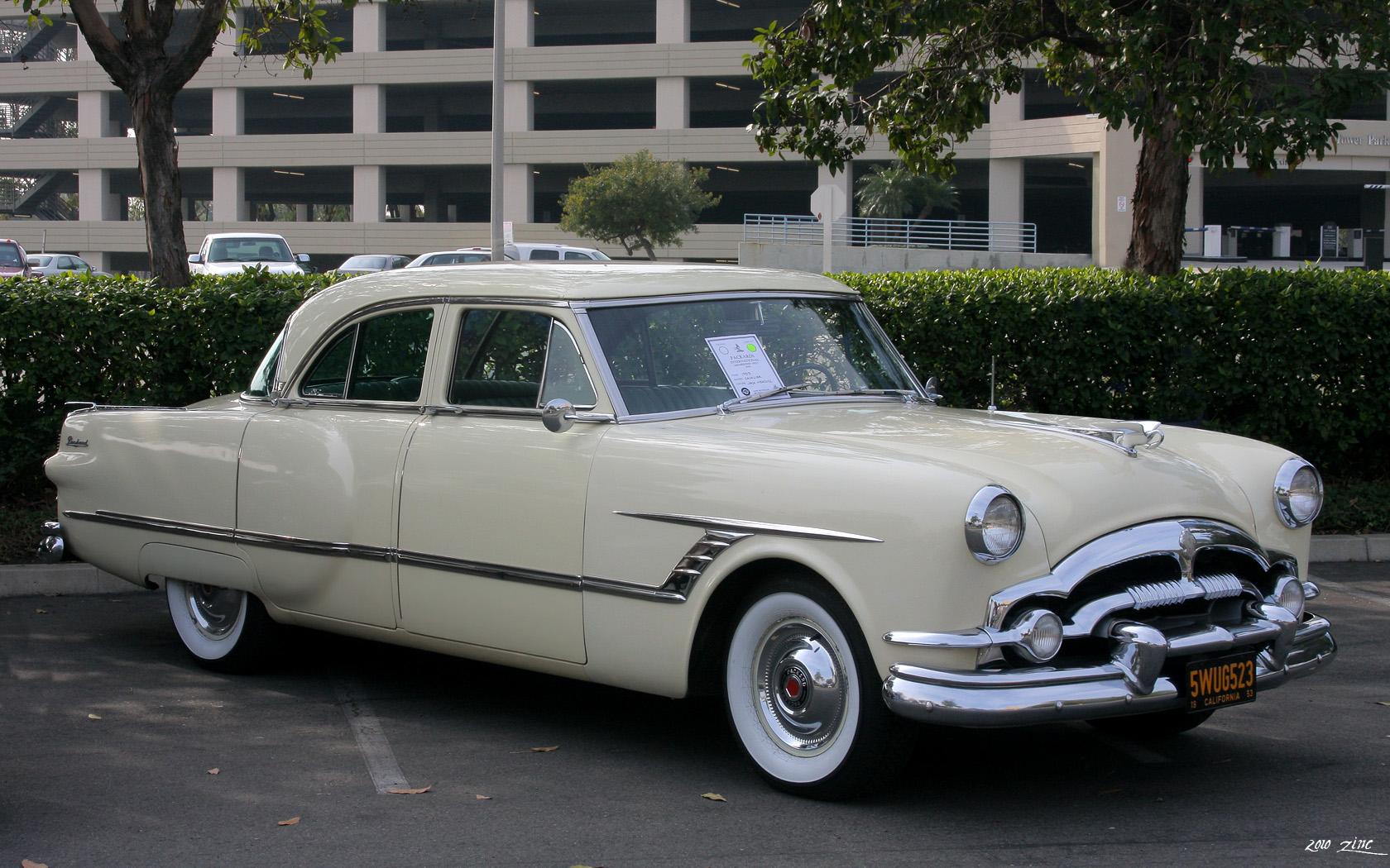 File:1953 Packard Cavalier 4d sdn - Carolina Cream - fvr ...