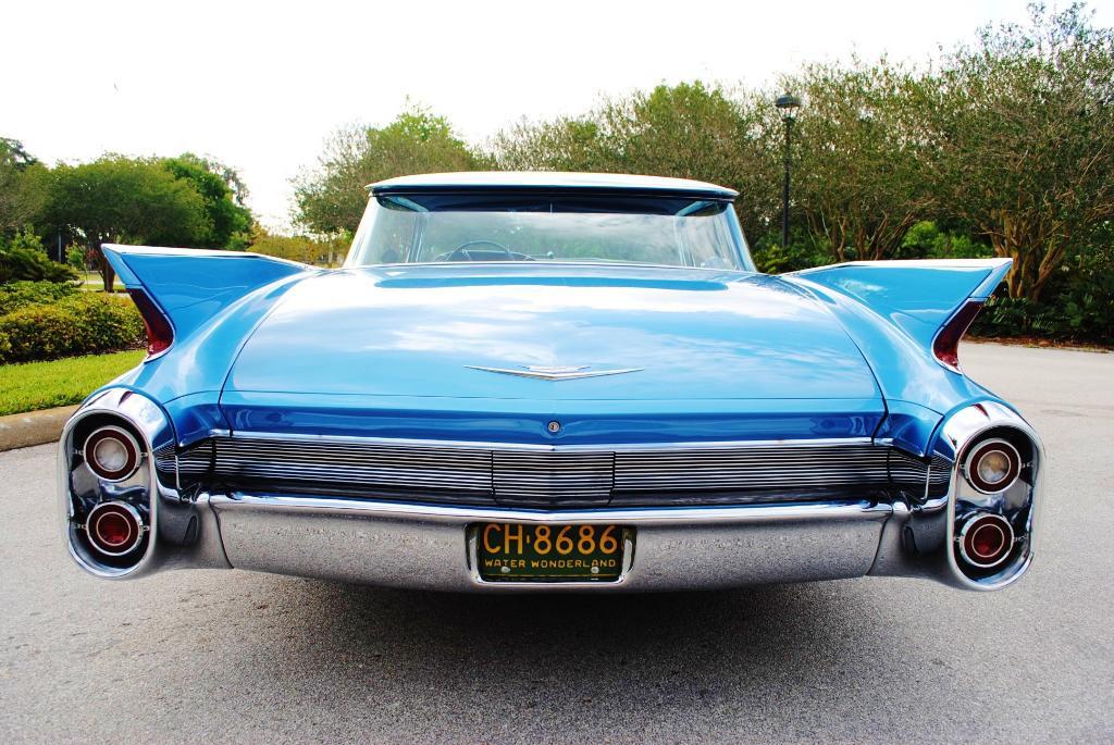 File 1960 cadillac series 62 flat top sedan rear jpg wikimedia