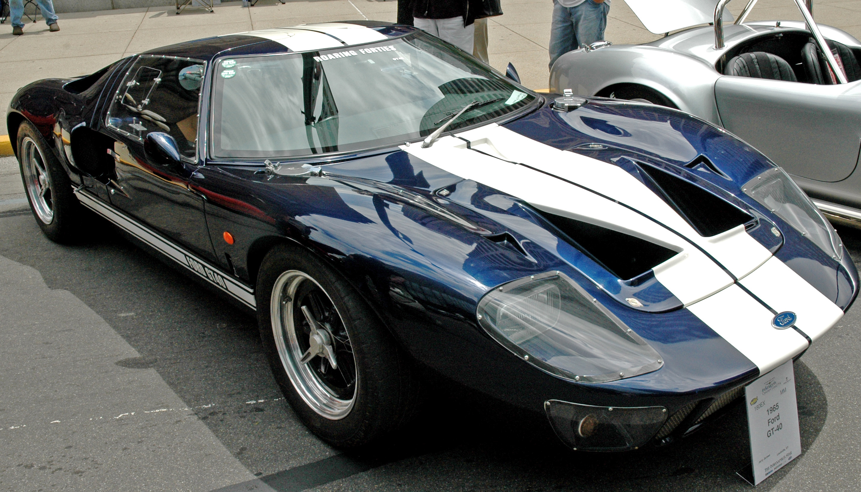 1965_Ford_GT40.jpg