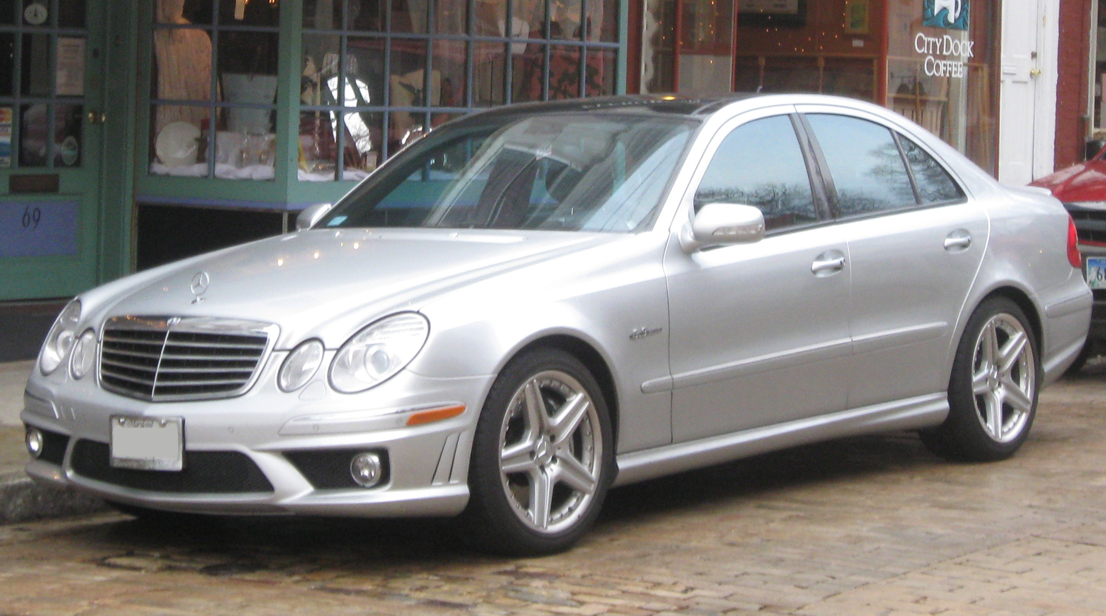 File 2007 2009 Mercedes Benz E63 Amg Sedan 01 20 2010