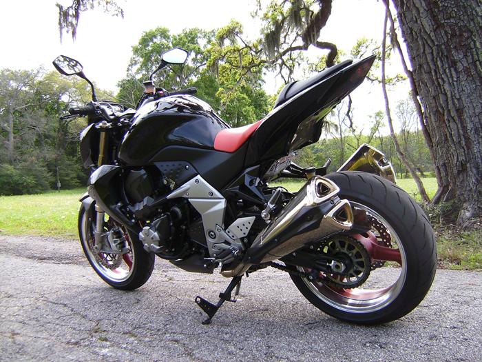 Description 2007 Kawasaki Z1000.jpg