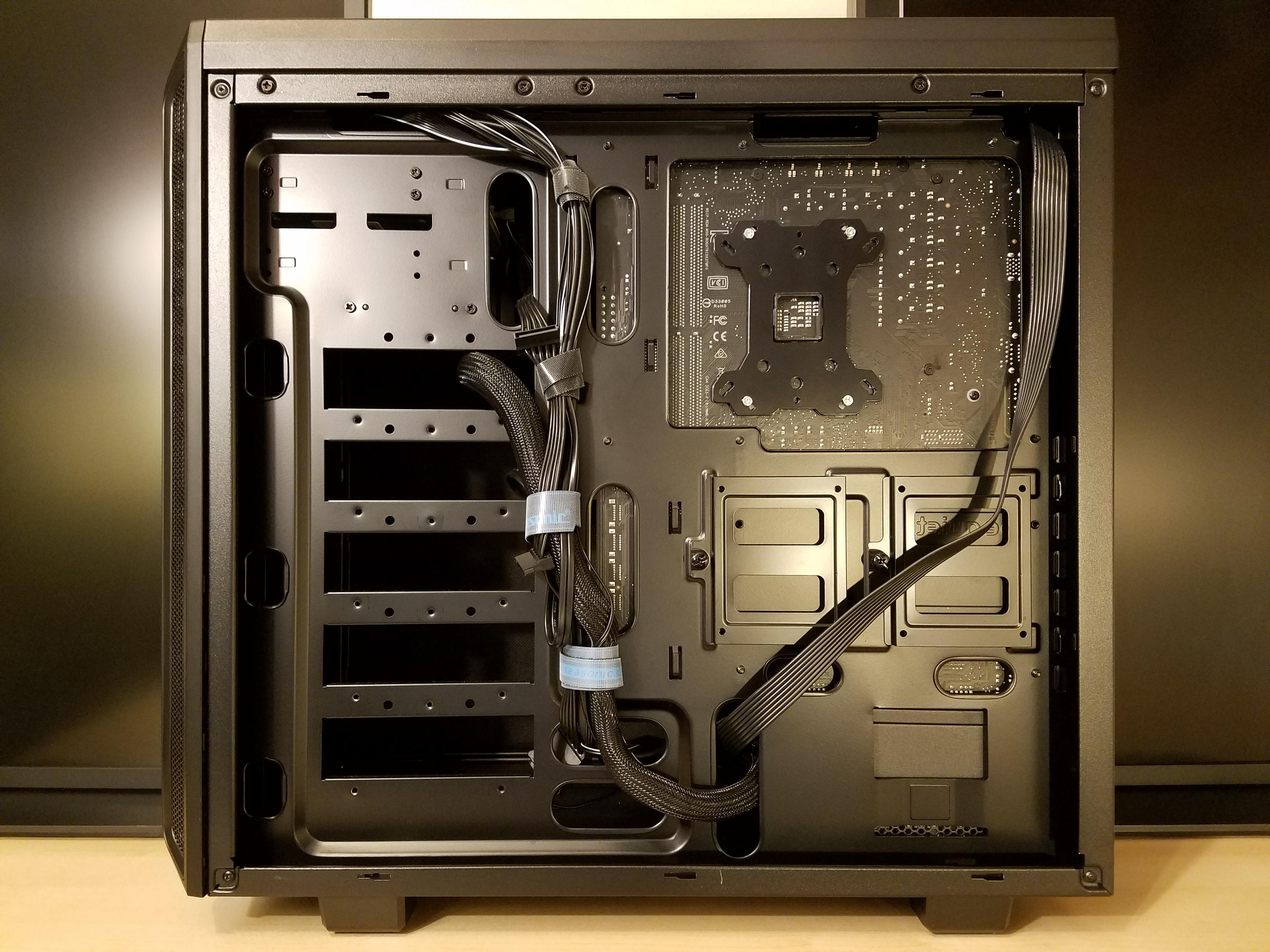 ATX_computer_case_-_right_-_2018-05-12.j