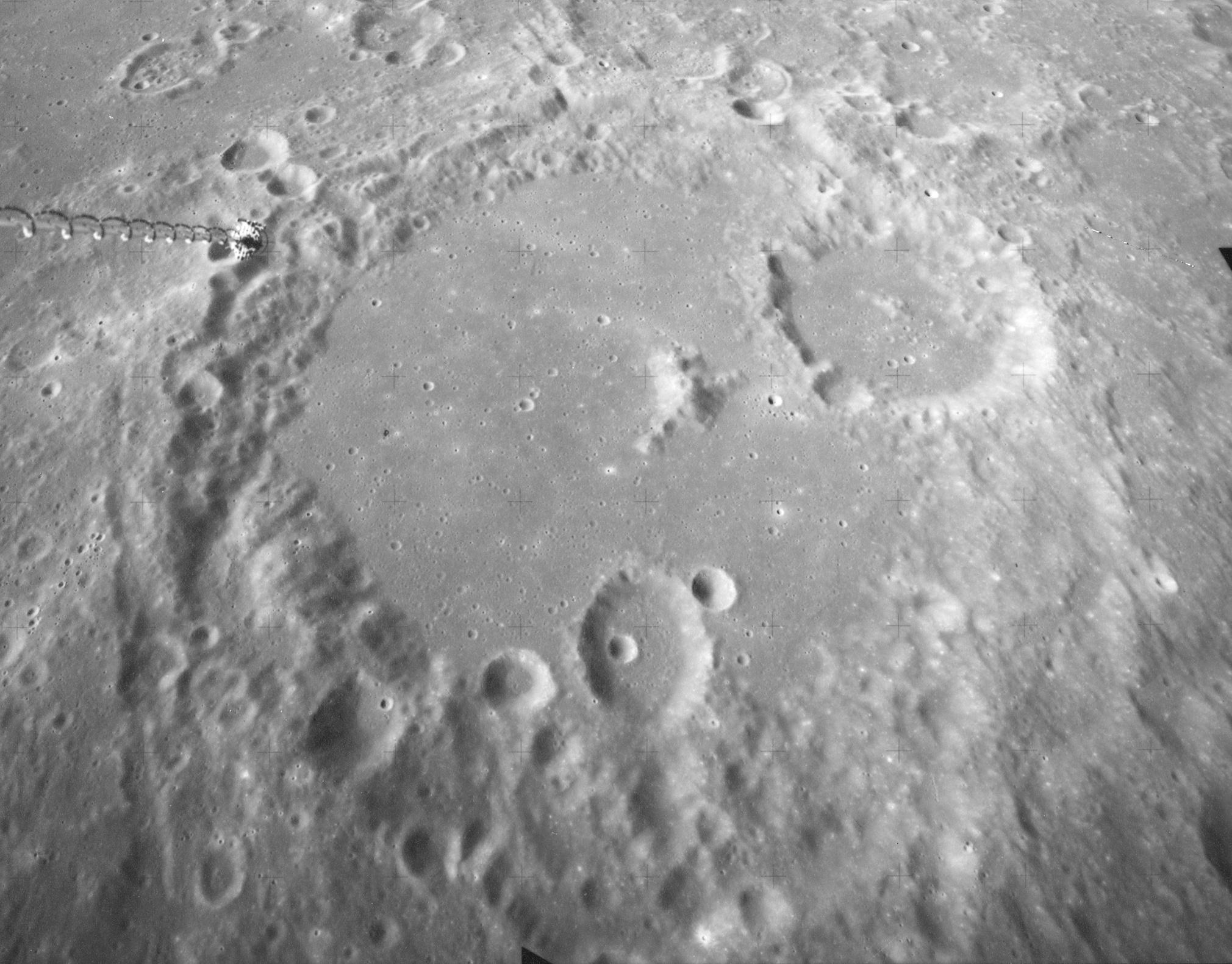 Albategnius crater AS16-M-2472.jpg