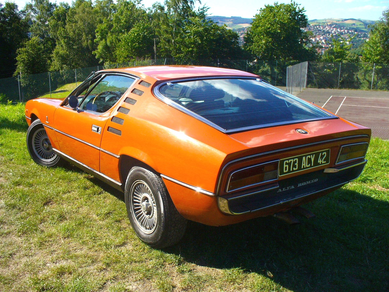 file alfa romeo montreal rear left 1973 jpg wikimedia commons. Black Bedroom Furniture Sets. Home Design Ideas