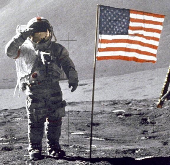 Neil Amstrong Berbohong soal Pendaratan Bulan