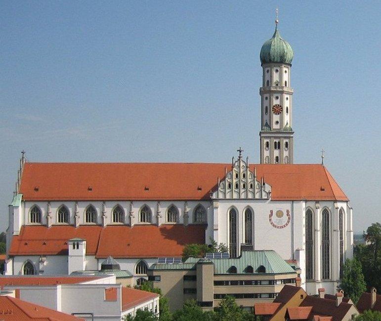 Widok bazyliki od strony południowej