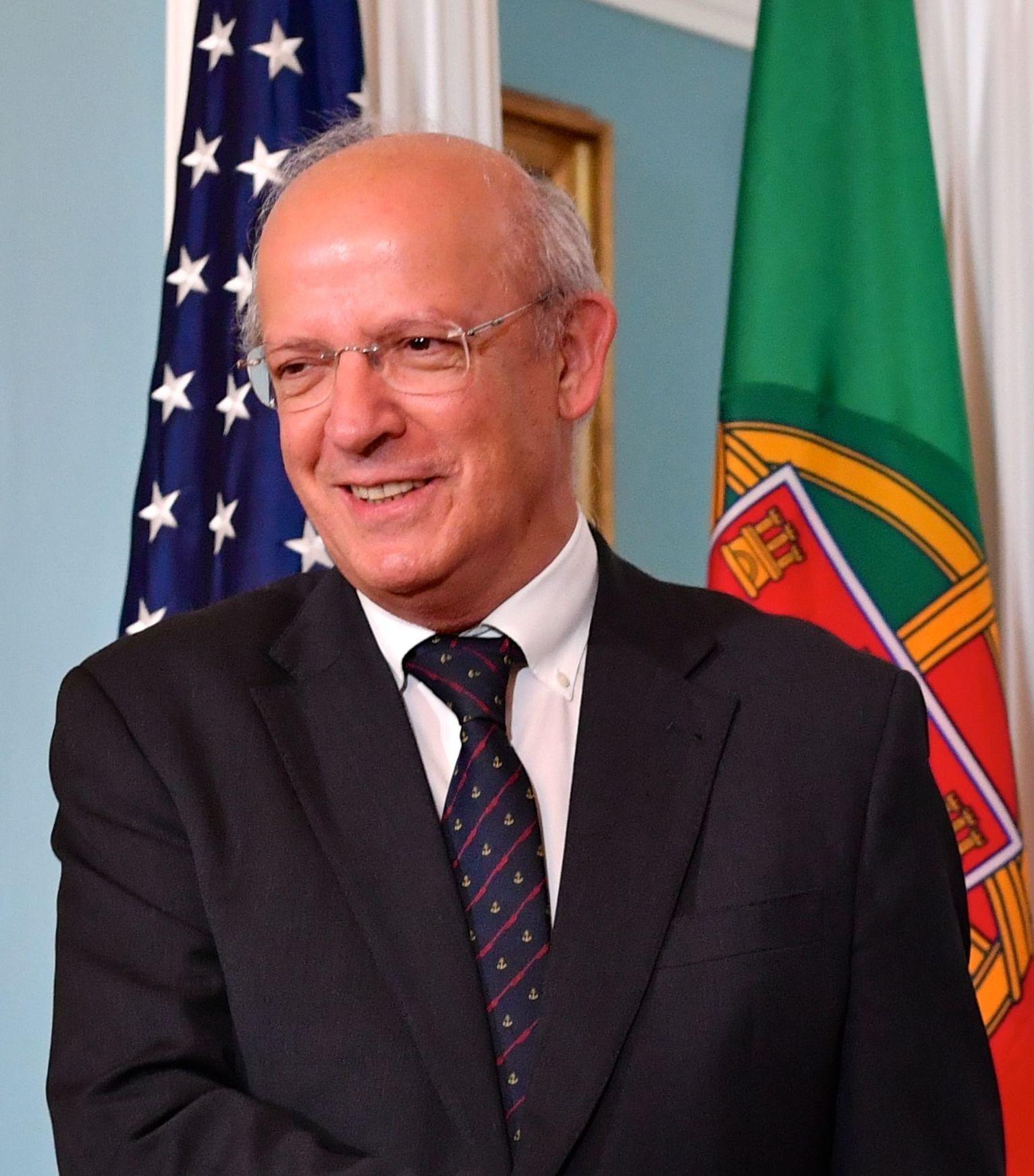 O ternurento encanto de Augusto Santos Silva pela política externa dos USA