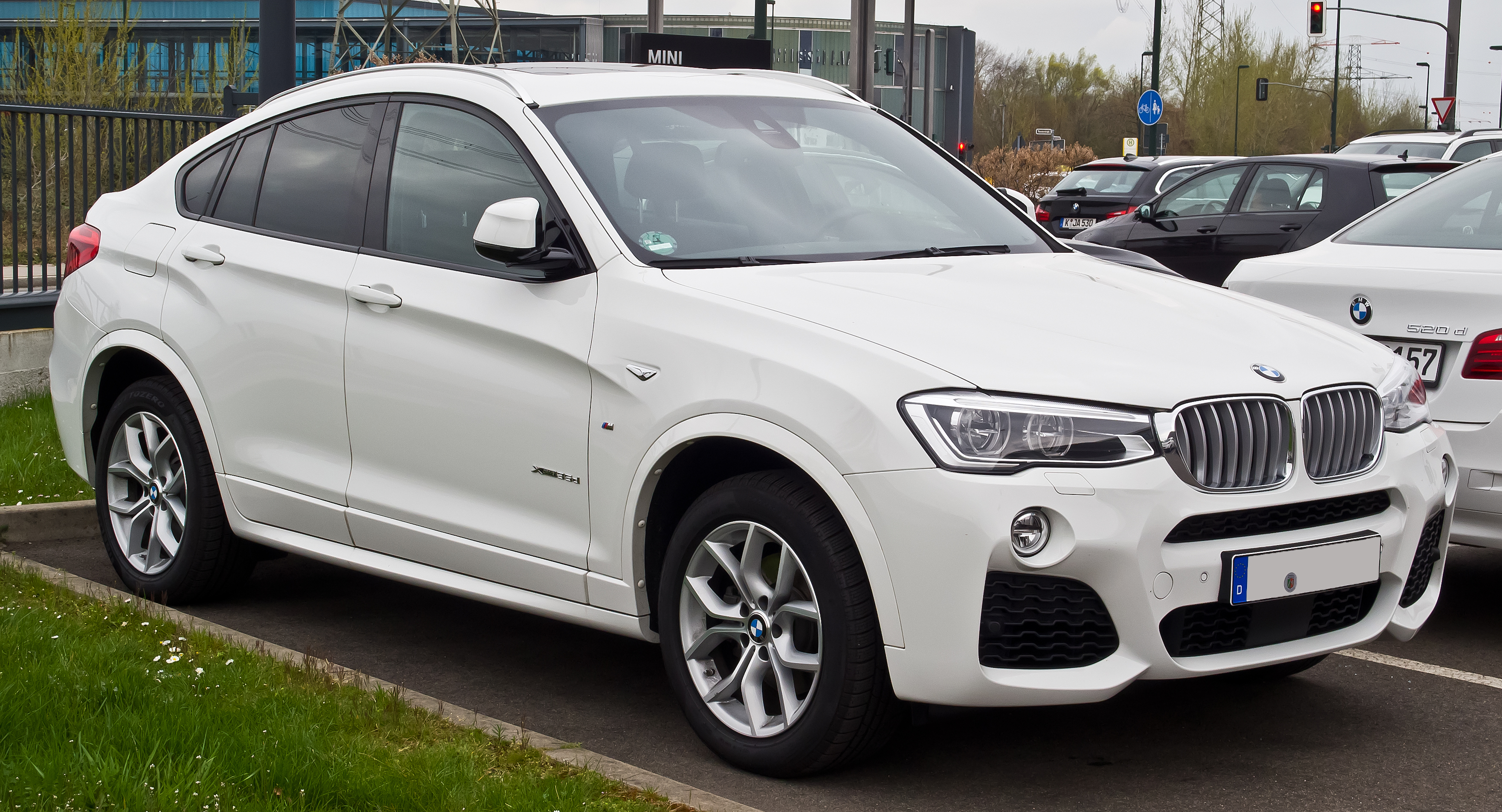 bmw x4 wikiwand. Black Bedroom Furniture Sets. Home Design Ideas