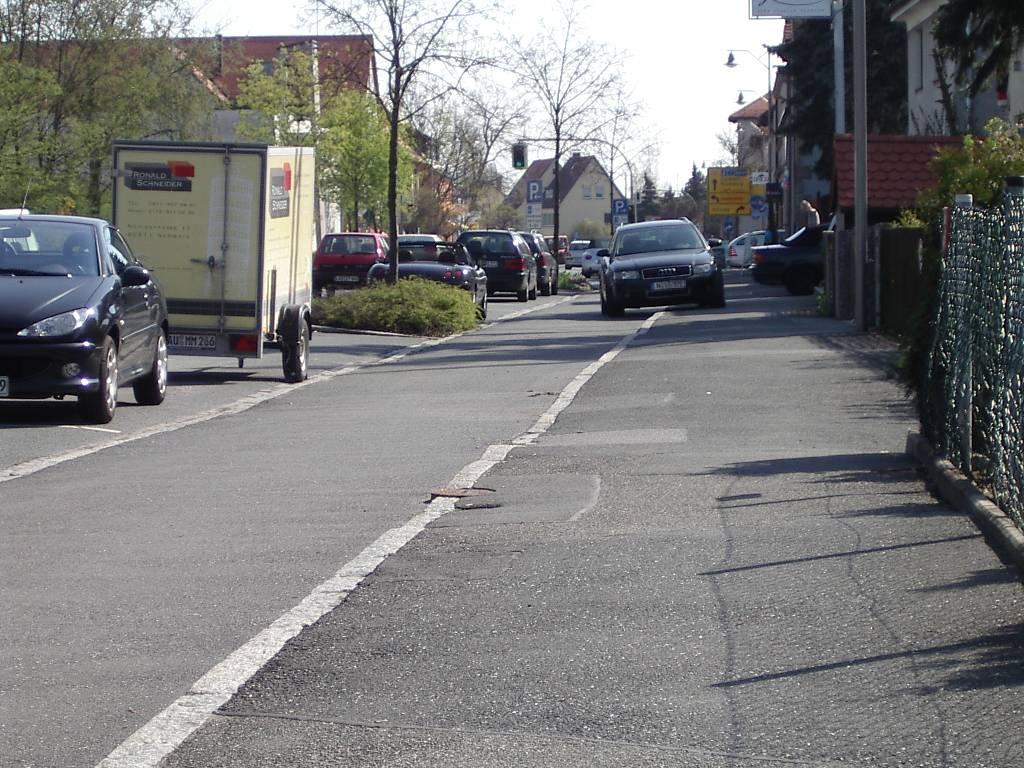 Behringersdorf Norisstrasse Radweg f sw keichwa.jpg