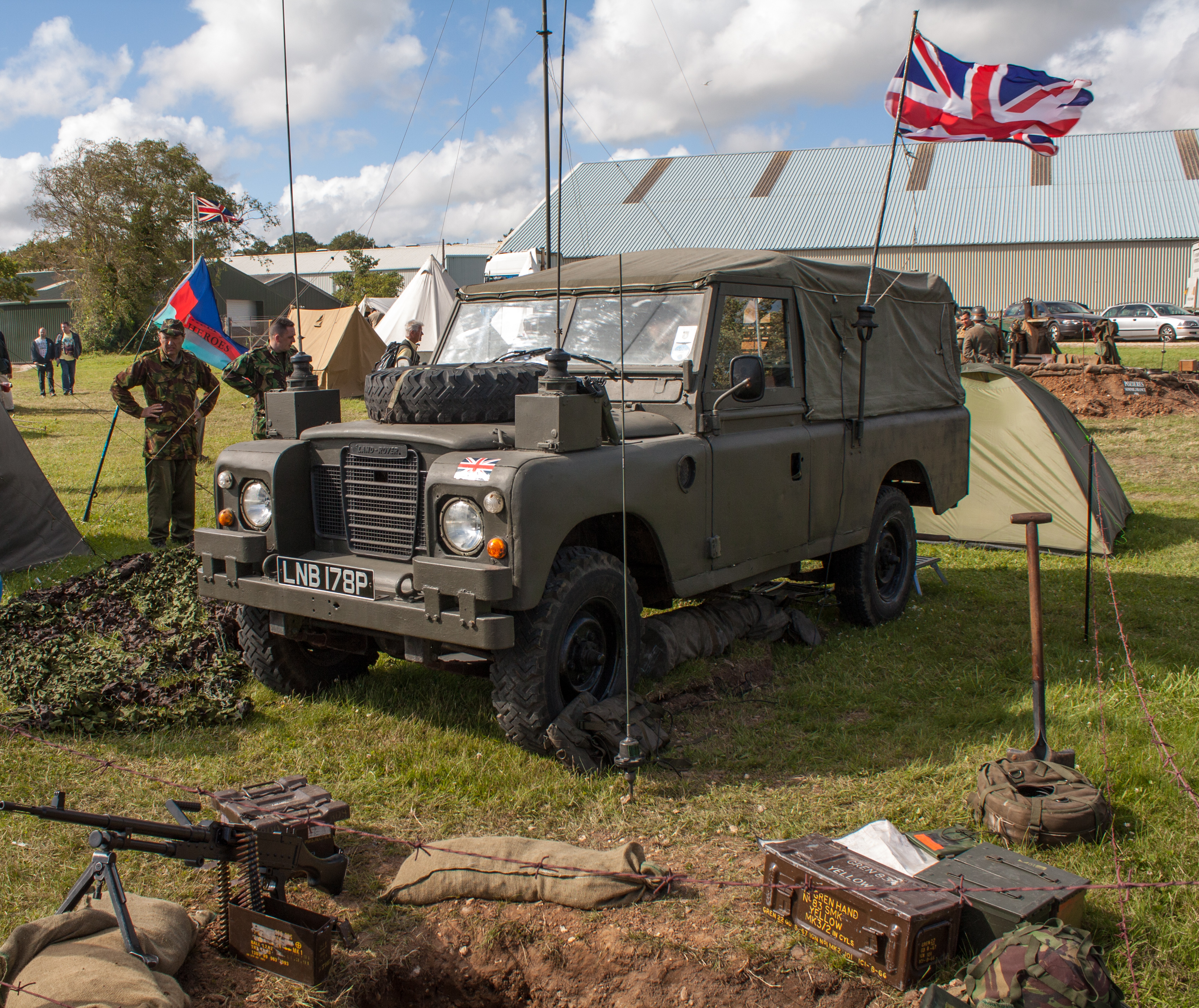 File British Army Land Rover 7528054526 Jpg Wikimedia