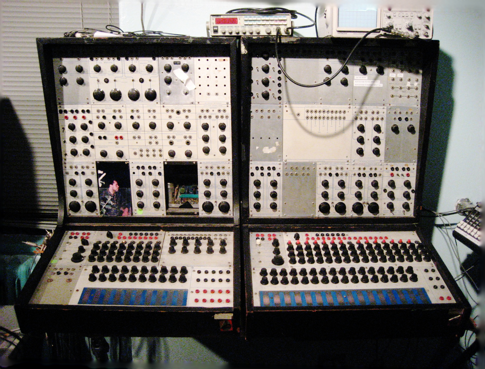 Electronic Instruments Books : Buchla electronic musical instruments wiki everipedia
