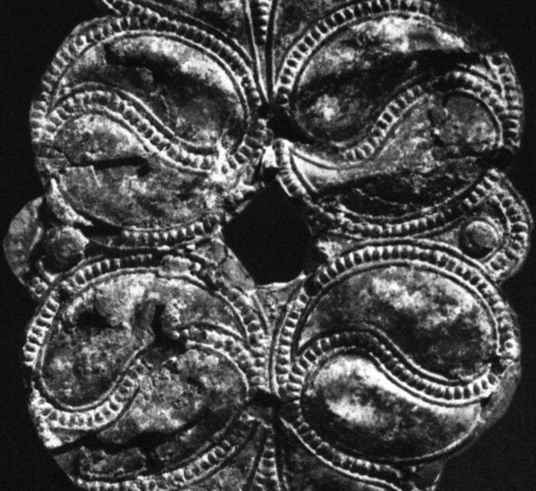 Picture of Yin yang swirls on Celtic bronze plaque from Mairy, Marne, dated to 4th century BC