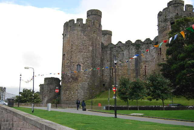 File:Conwy Castle - geograph.org.uk - 1477055.jpg