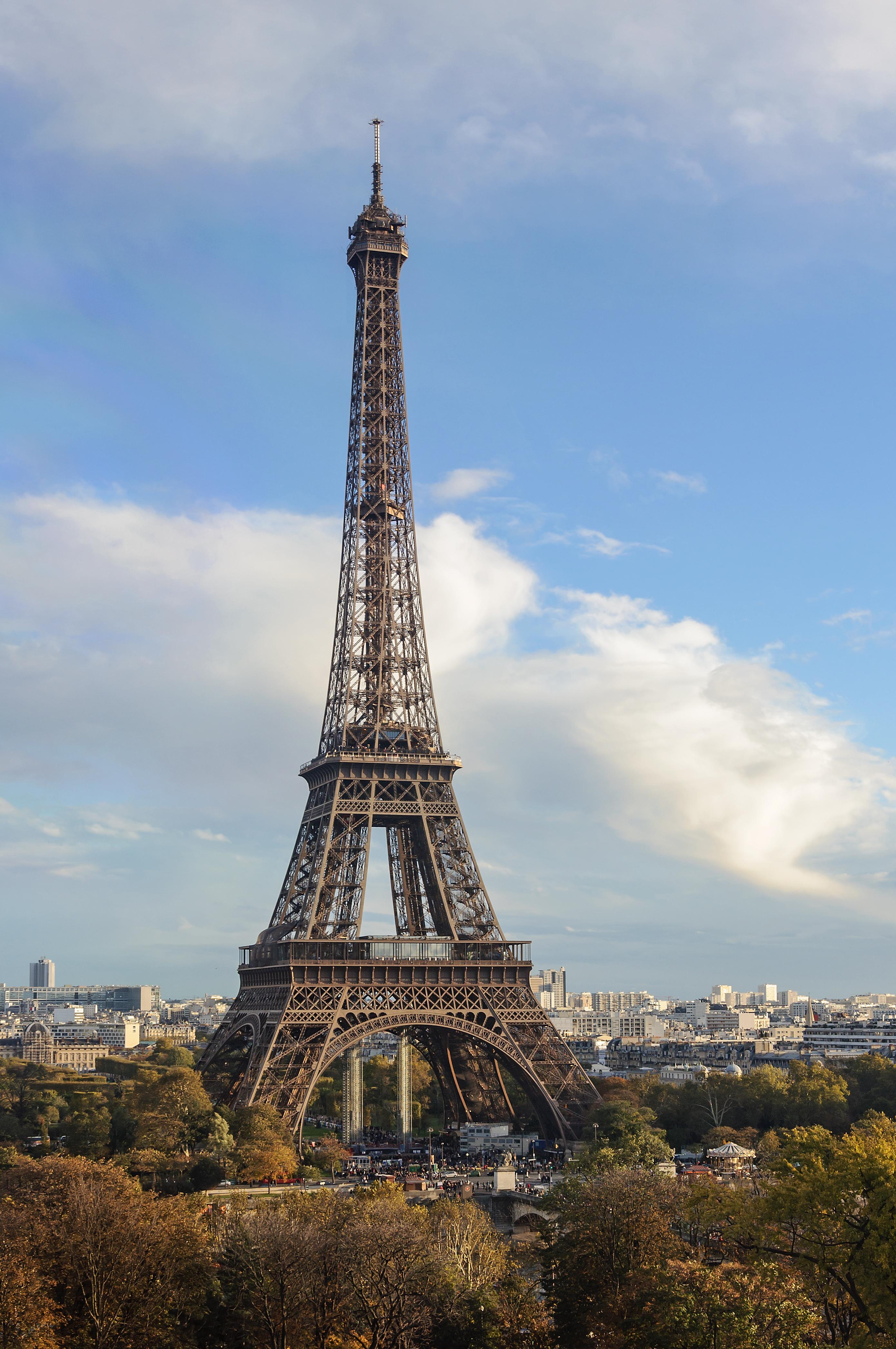 Image gallery torreeiffel for Eiffel architect