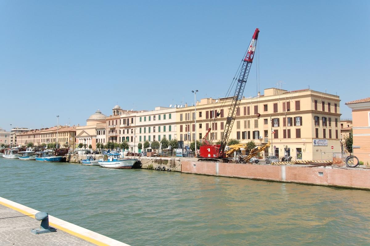 Porto di fiumicino wikipedia - Da roma porta verso il mare ...