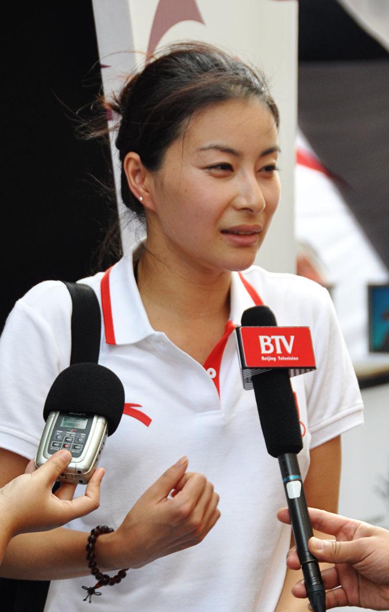 Guo Jingjing in Olympics Day 9 - Diving - Zimbio
