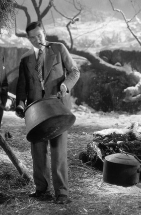 Harry Oliver on the battlefield set of 7th Heaven in 1927