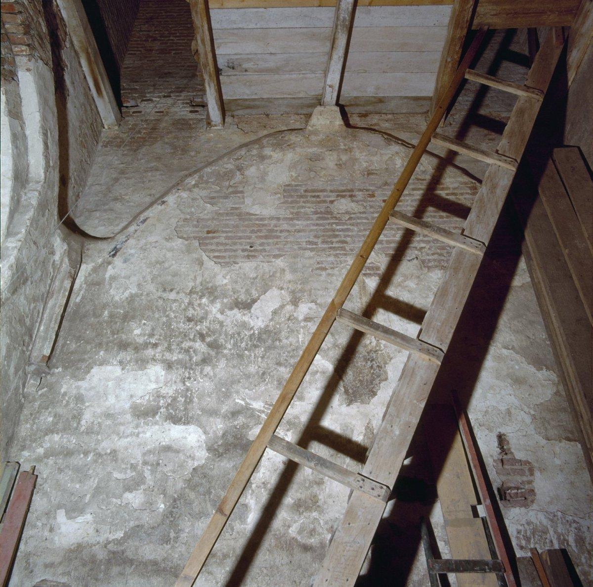 File interieur muurschilderingen in de torenruimte met for Interieur 607