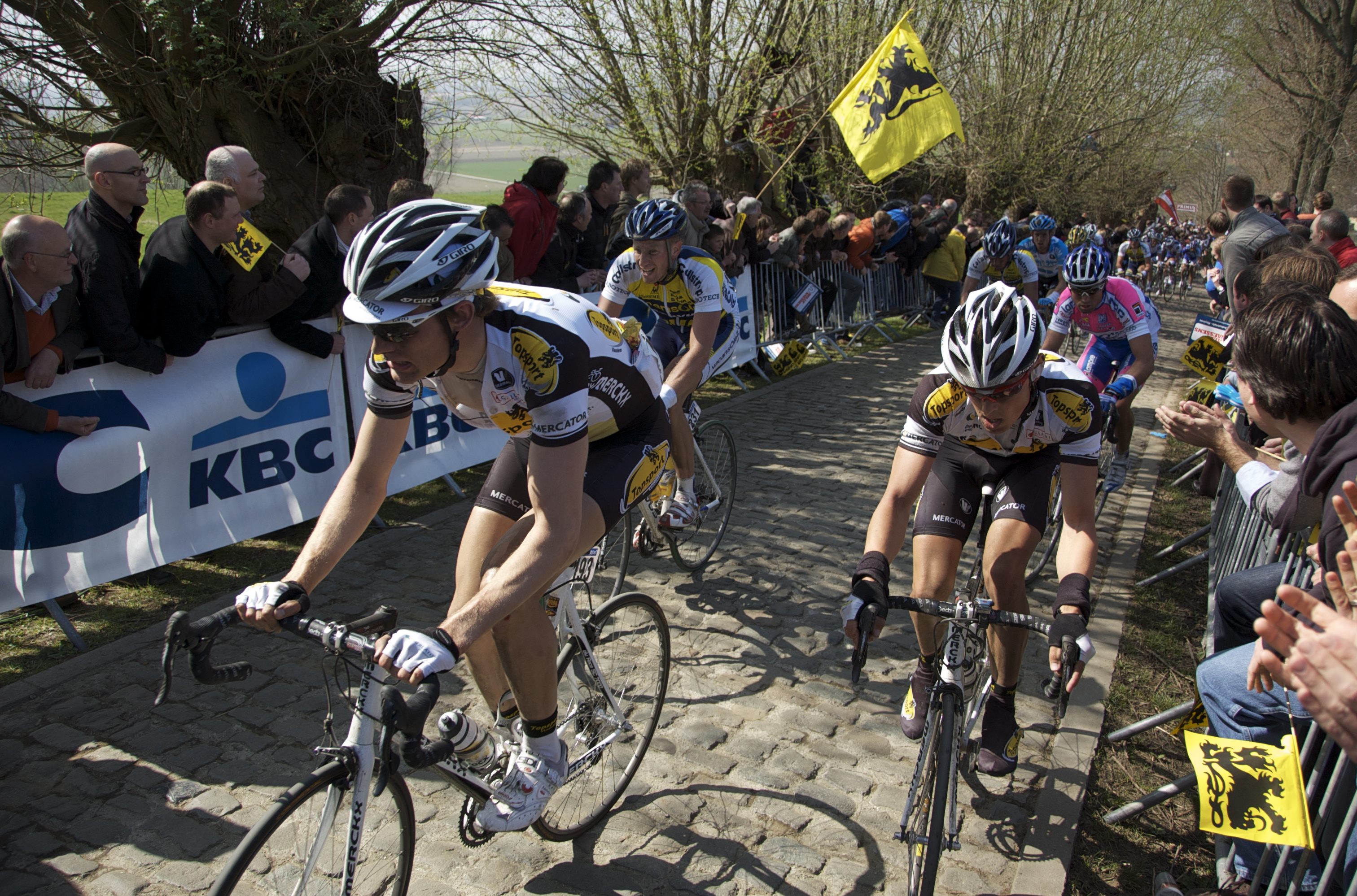 Koppenberg hill during the 2009 Ronde van Vlaa...