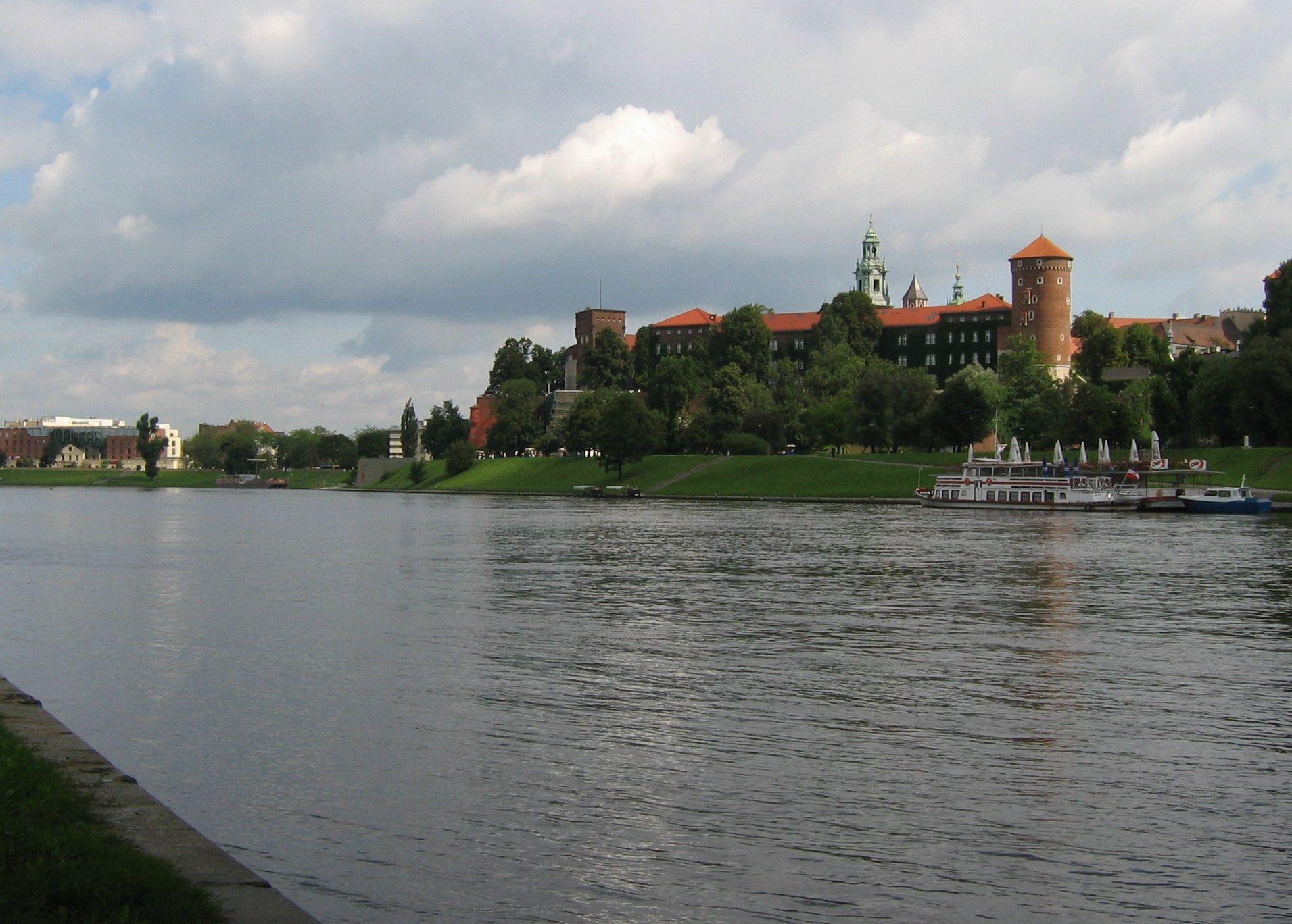 Wisla Krakow: File:Krakow-Wawel Across Wisla.jpg