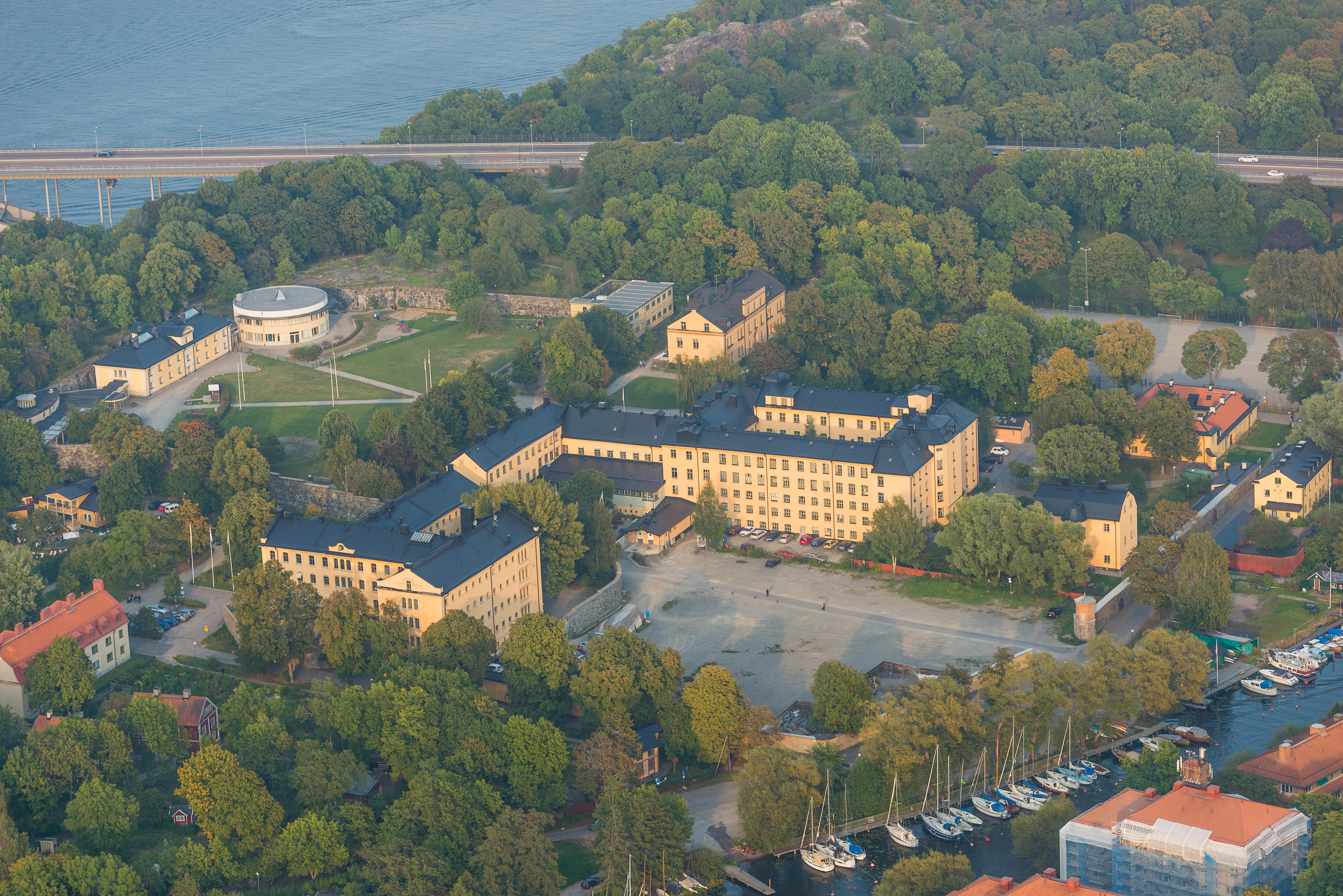 L%C3%A5ngholmens_centralf%C3%A4ngelse_September_2014.jpg