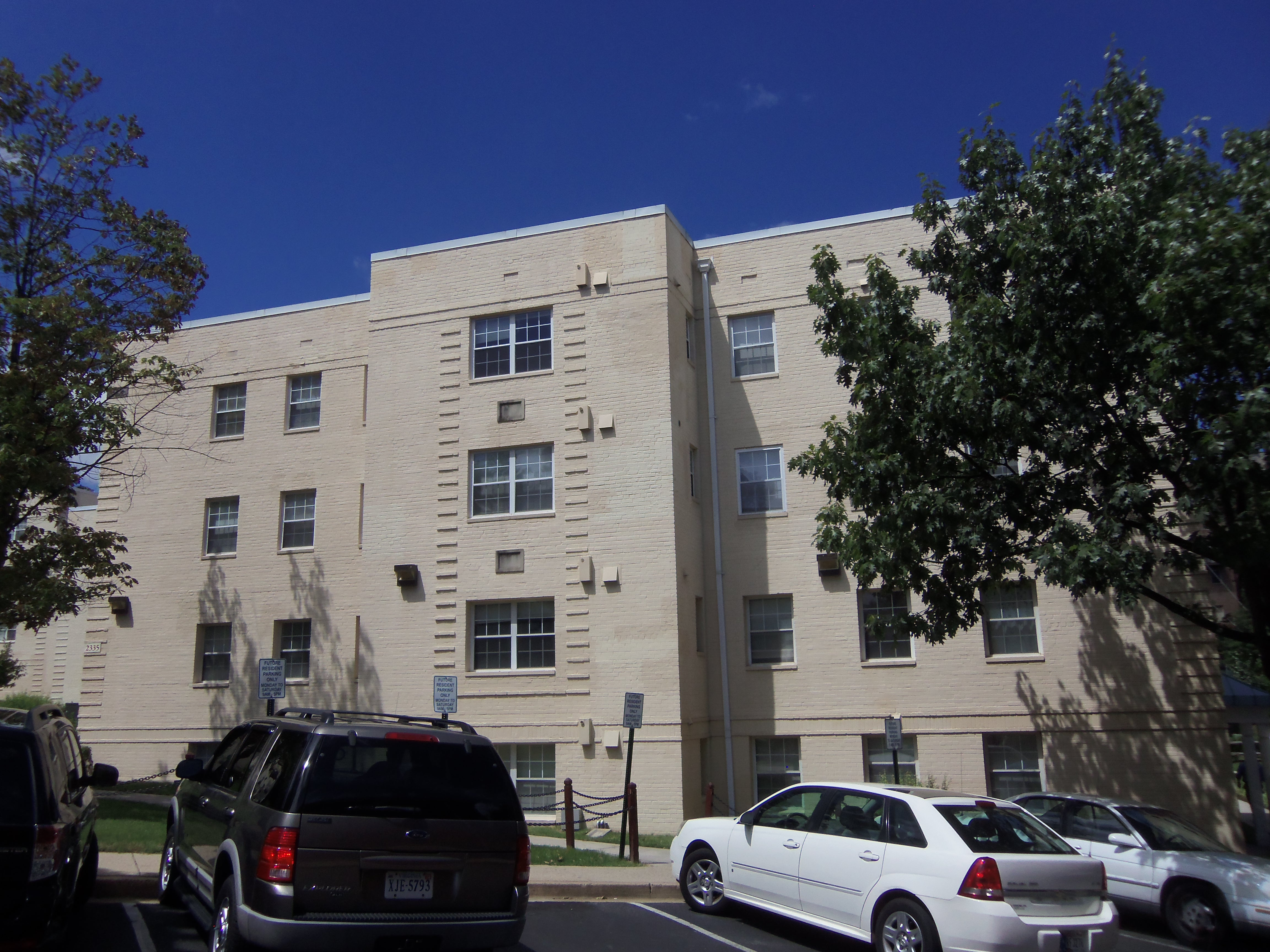 Woodbury Park Apartments
