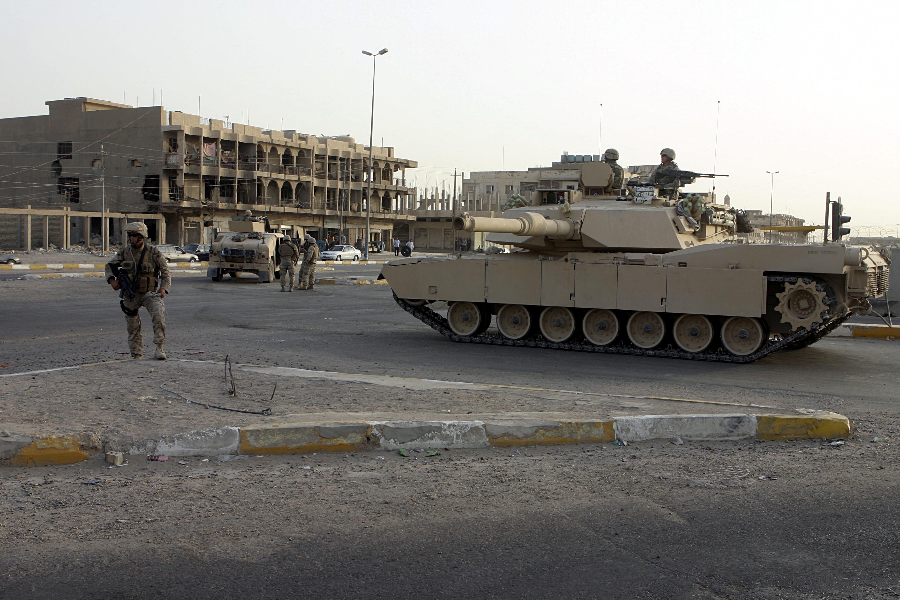 Battle for Fallujah: Iraq retakes government HQ