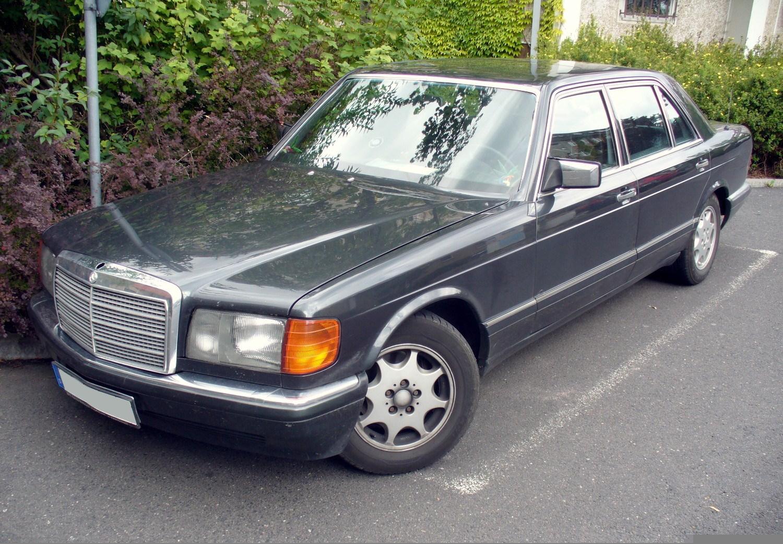Archivo:MercedesBenz W126.JPG