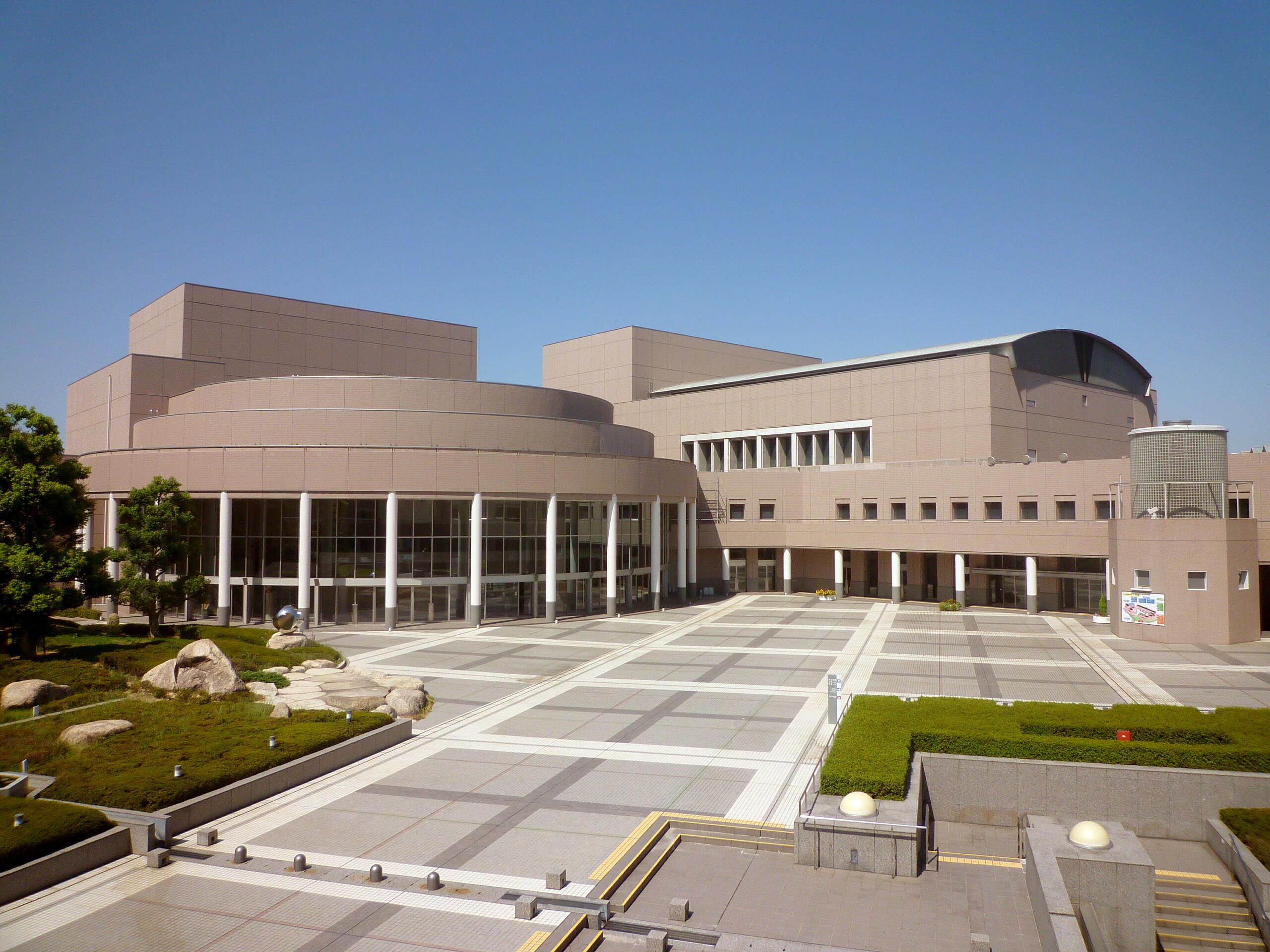 三重県総合文化センター